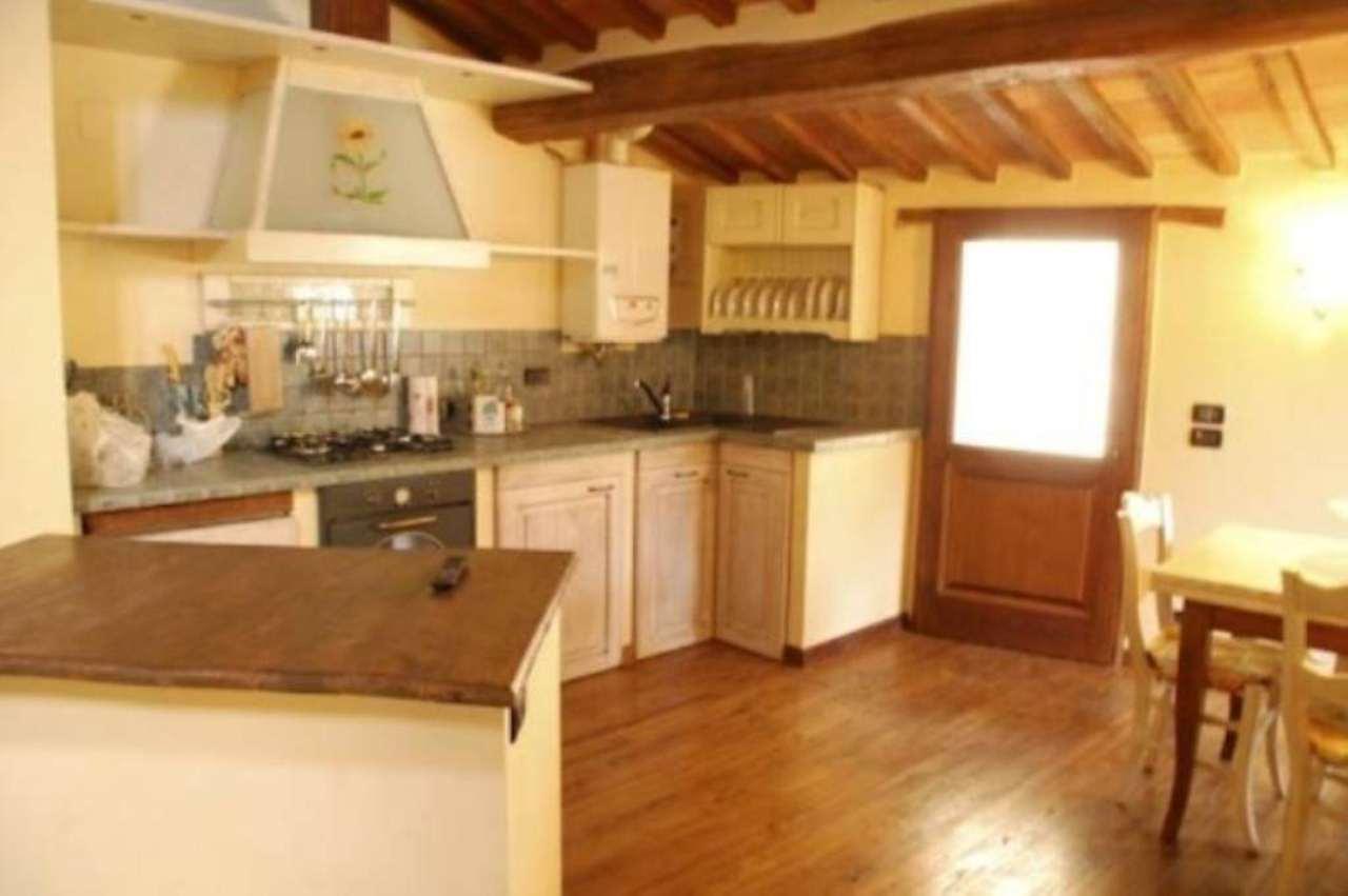 Appartamento in vendita a Radicofani, 5 locali, prezzo € 160.000 | Cambio Casa.it