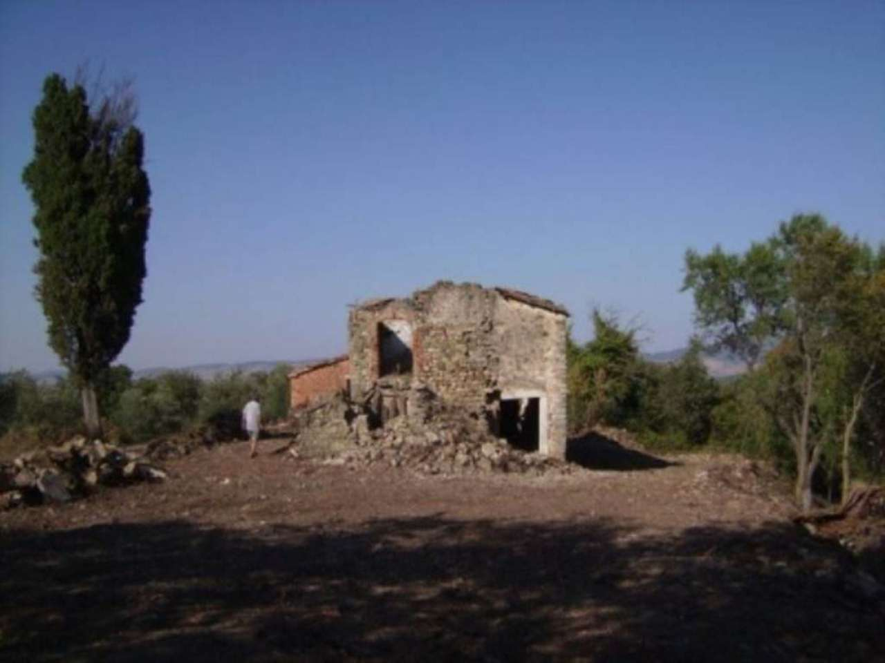 Rustico / Casale in vendita a Castiglione d'Orcia, 6 locali, prezzo € 350.000 | Cambio Casa.it