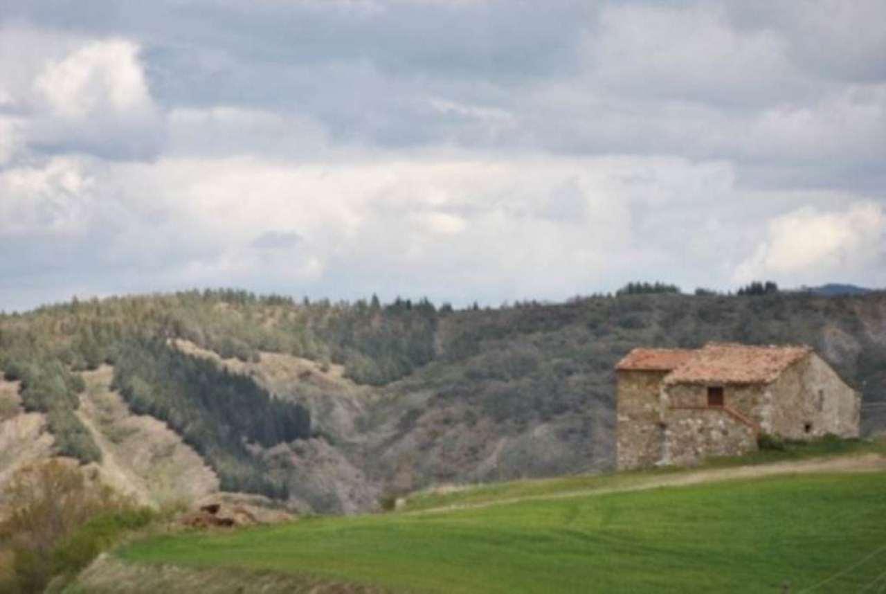 Rustico / Casale in vendita a Castiglione d'Orcia, 6 locali, prezzo € 330.000 | Cambio Casa.it