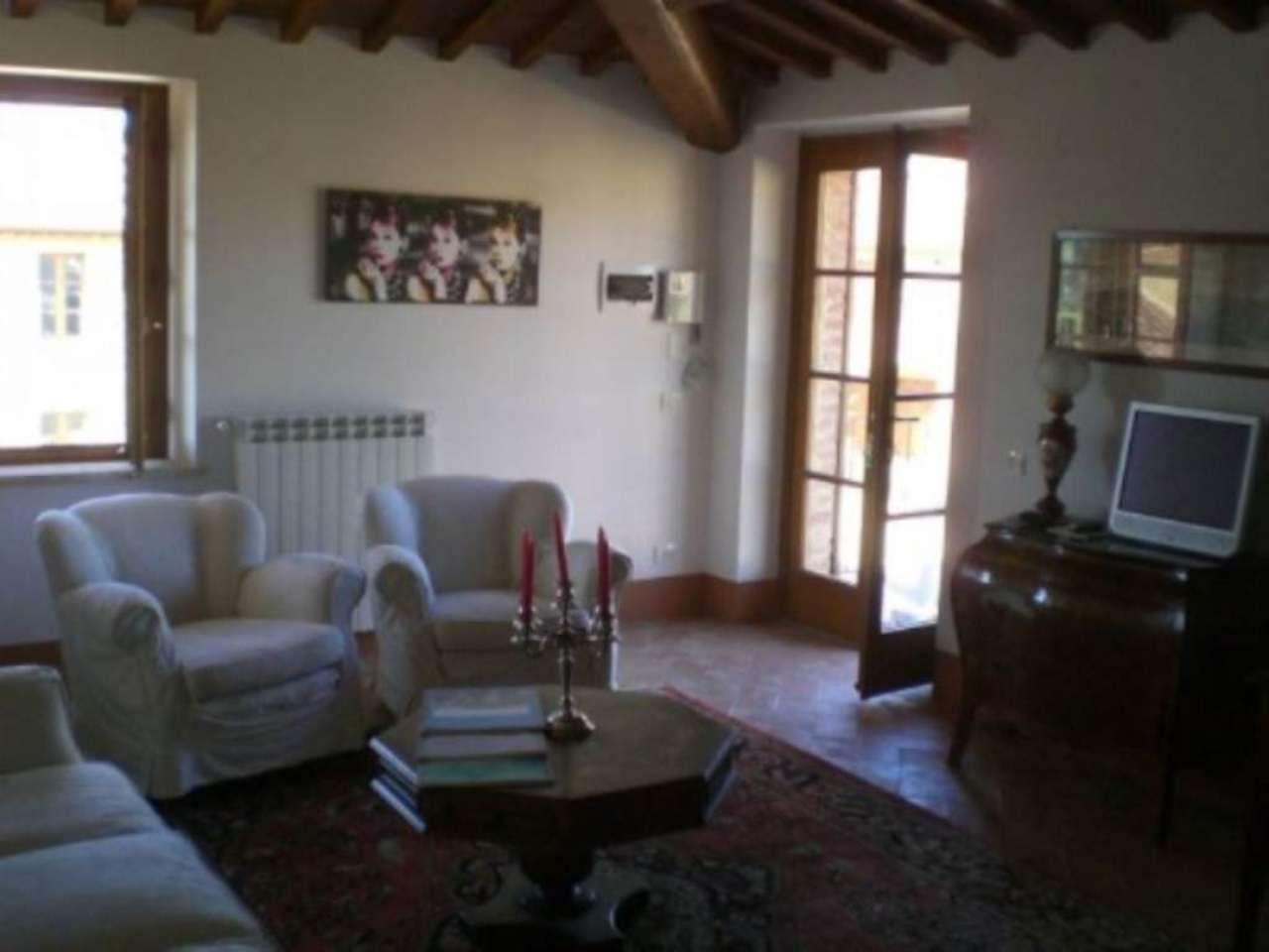 Appartamento in vendita a Pienza, 4 locali, prezzo € 310.000   Cambio Casa.it