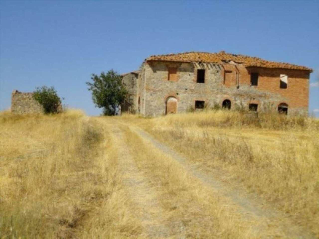 Rustico / Casale in vendita a Castiglione d'Orcia, 6 locali, prezzo € 390.000   Cambio Casa.it