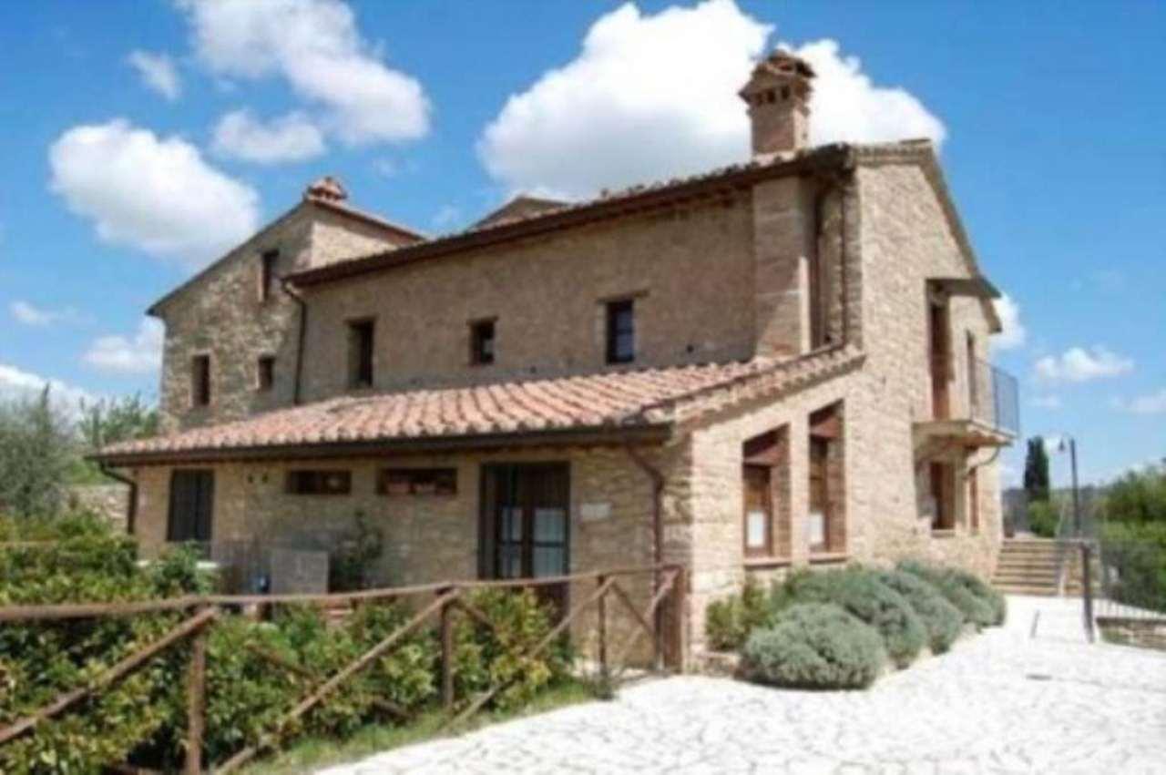Appartamento in vendita a Asciano, 4 locali, prezzo € 150.000 | Cambio Casa.it