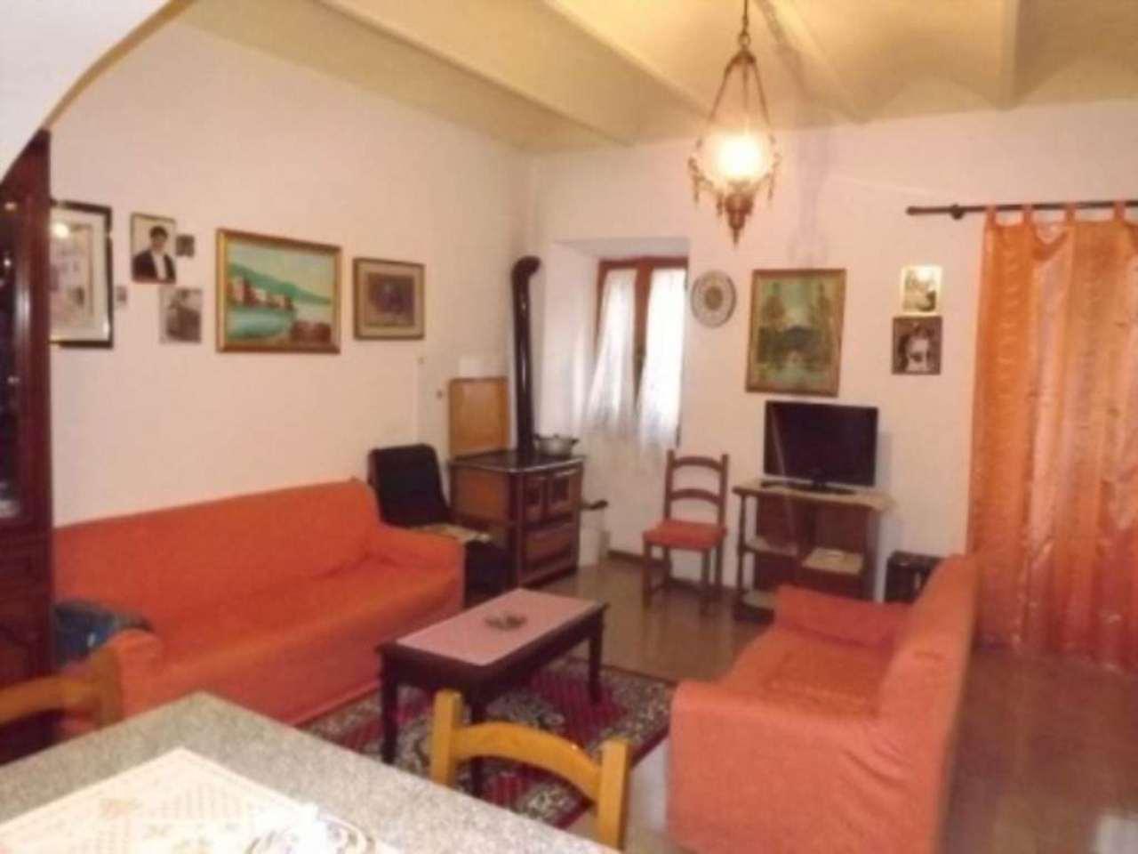 Appartamento in vendita a Radicofani, 6 locali, prezzo € 150.000   Cambio Casa.it