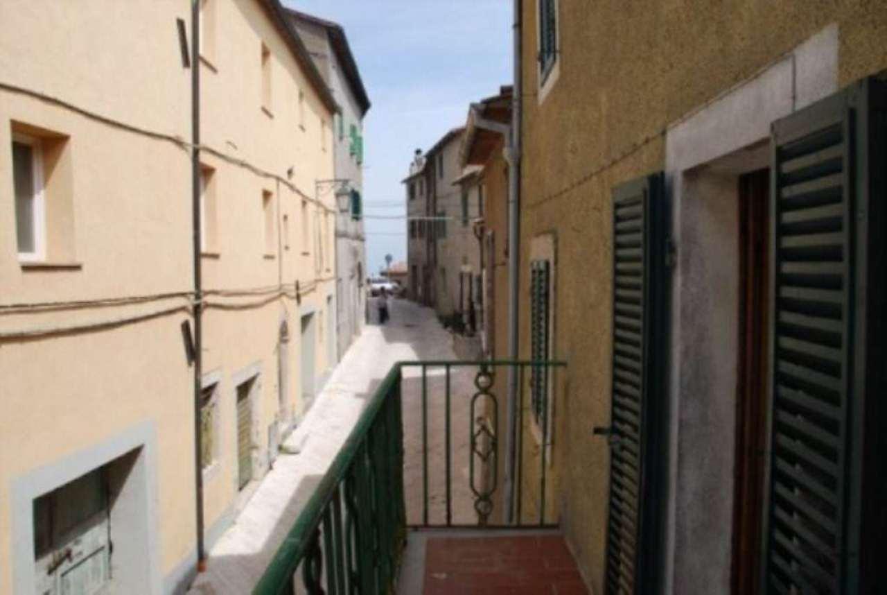 Palazzo / Stabile in vendita a Castiglione d'Orcia, 9999 locali, prezzo € 99.000 | Cambio Casa.it