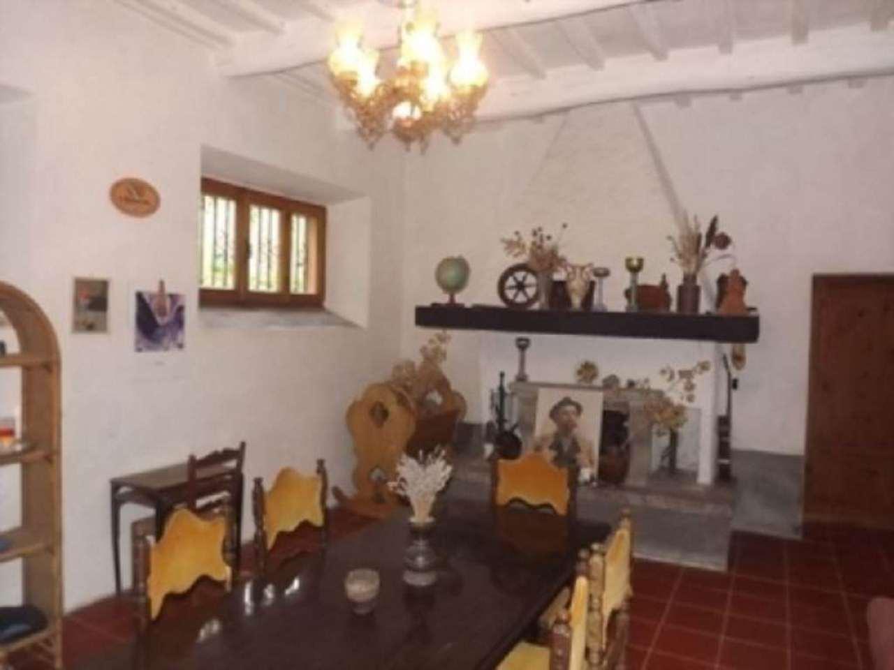 Rustico / Casale in vendita a Abbadia San Salvatore, 6 locali, prezzo € 300.000 | Cambio Casa.it