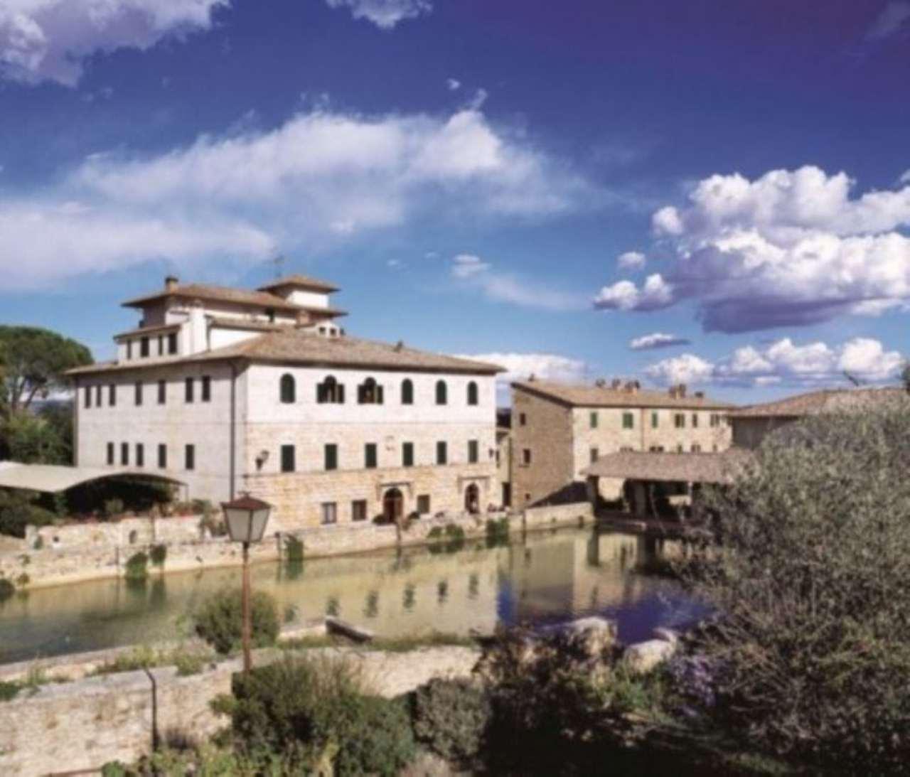 Appartamento in vendita a San Quirico d'Orcia, 4 locali, prezzo € 590.000 | Cambio Casa.it