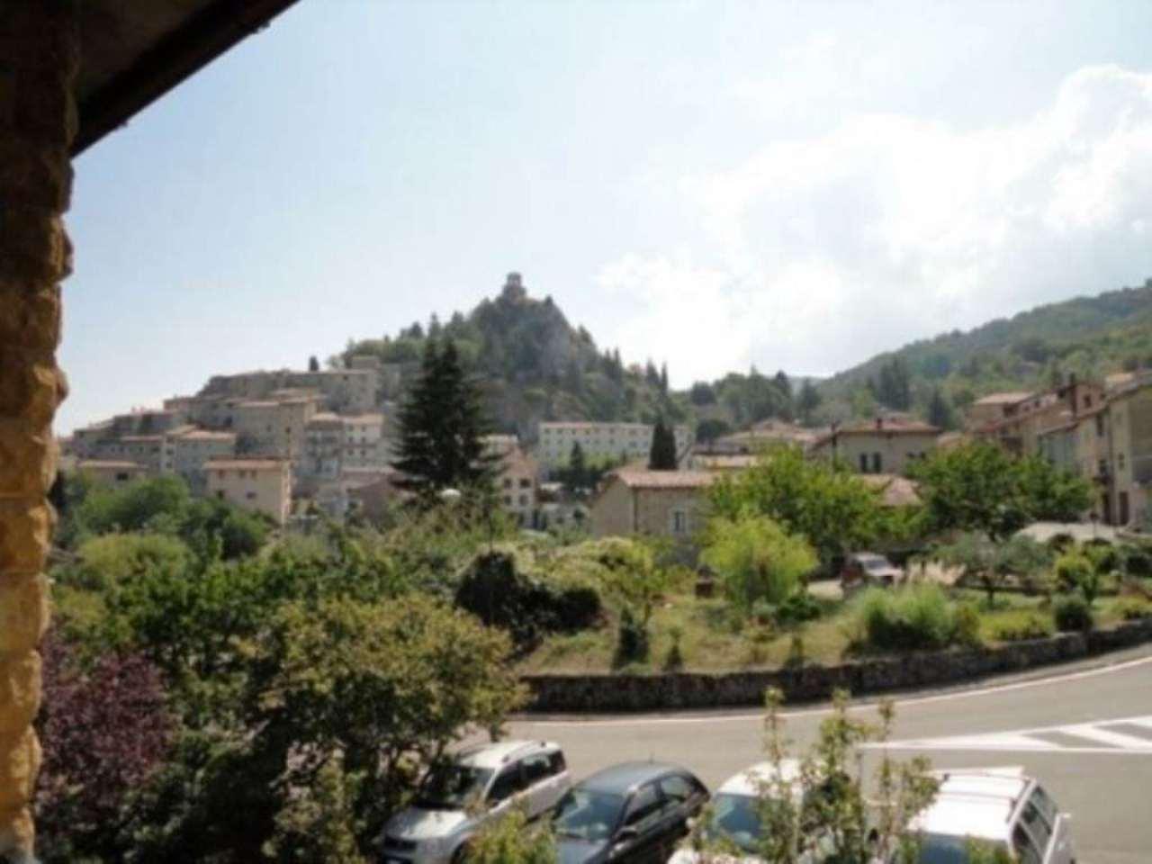 Appartamento in vendita a Castiglione d'Orcia, 6 locali, prezzo € 60.000 | Cambio Casa.it