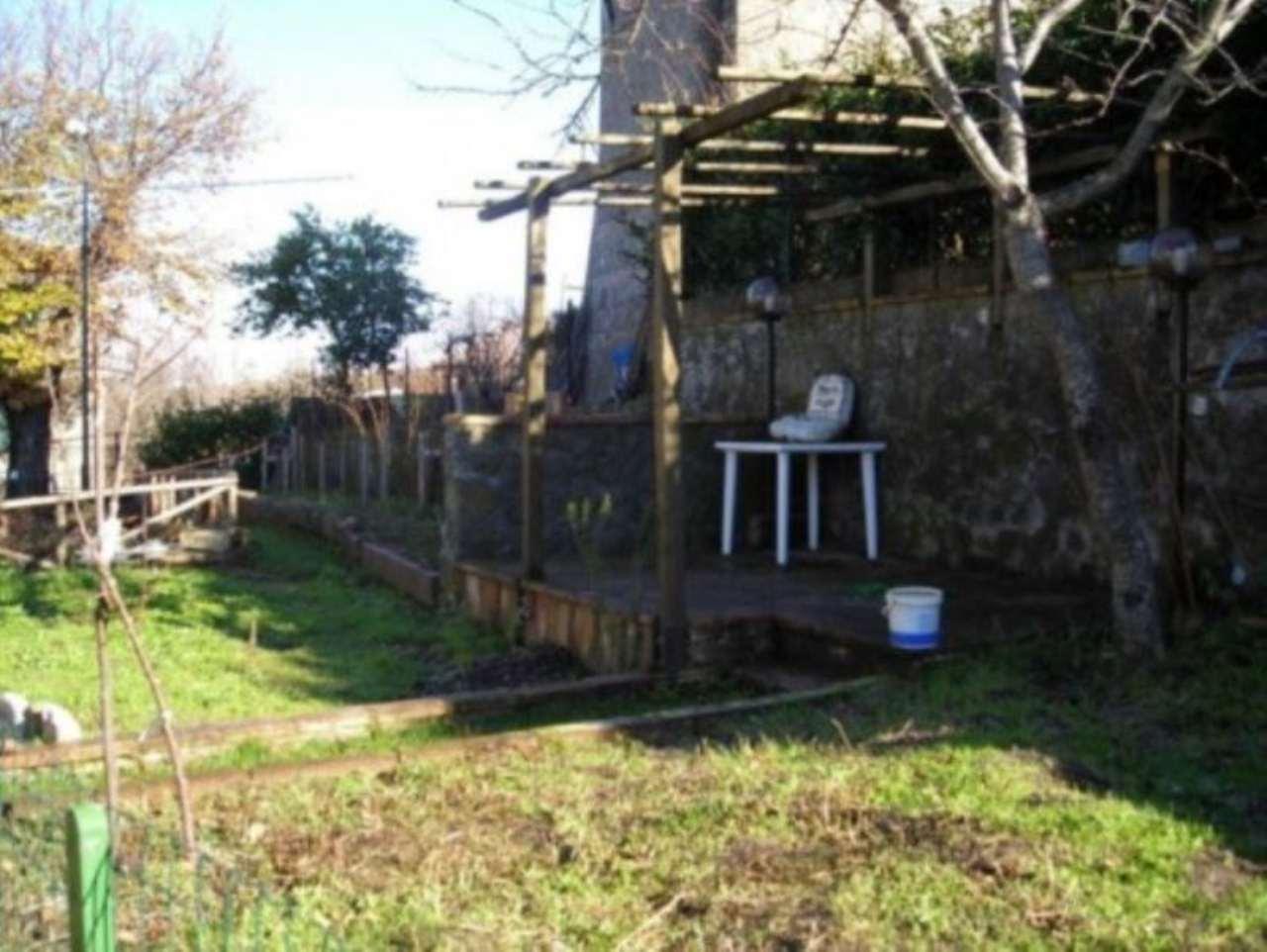 Appartamento in vendita a Castiglione d'Orcia, 6 locali, prezzo € 150.000 | Cambio Casa.it