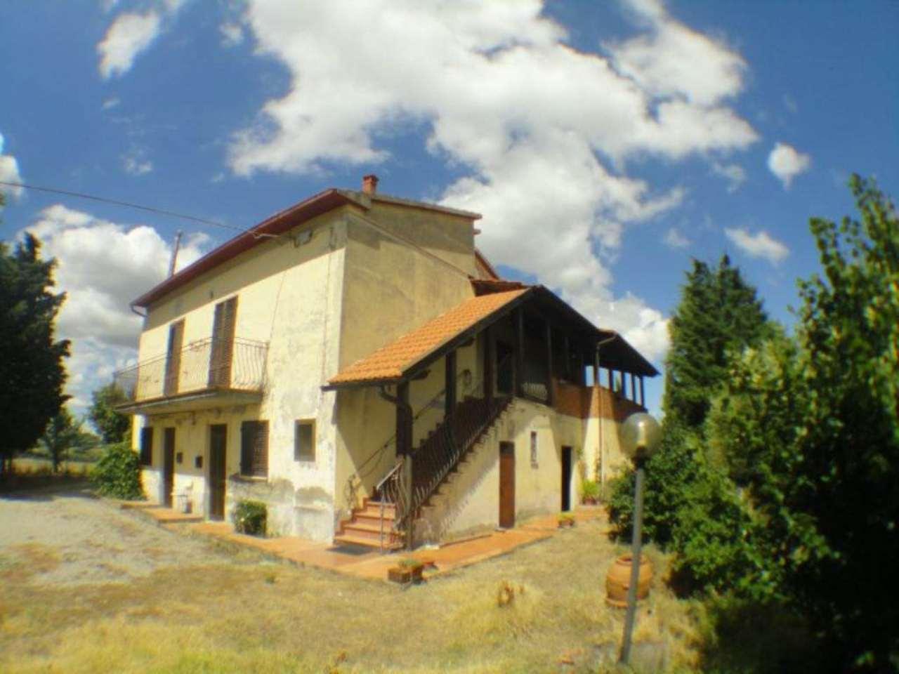 Rustico / Casale in vendita a Pienza, 15 locali, prezzo € 490.000 | Cambio Casa.it