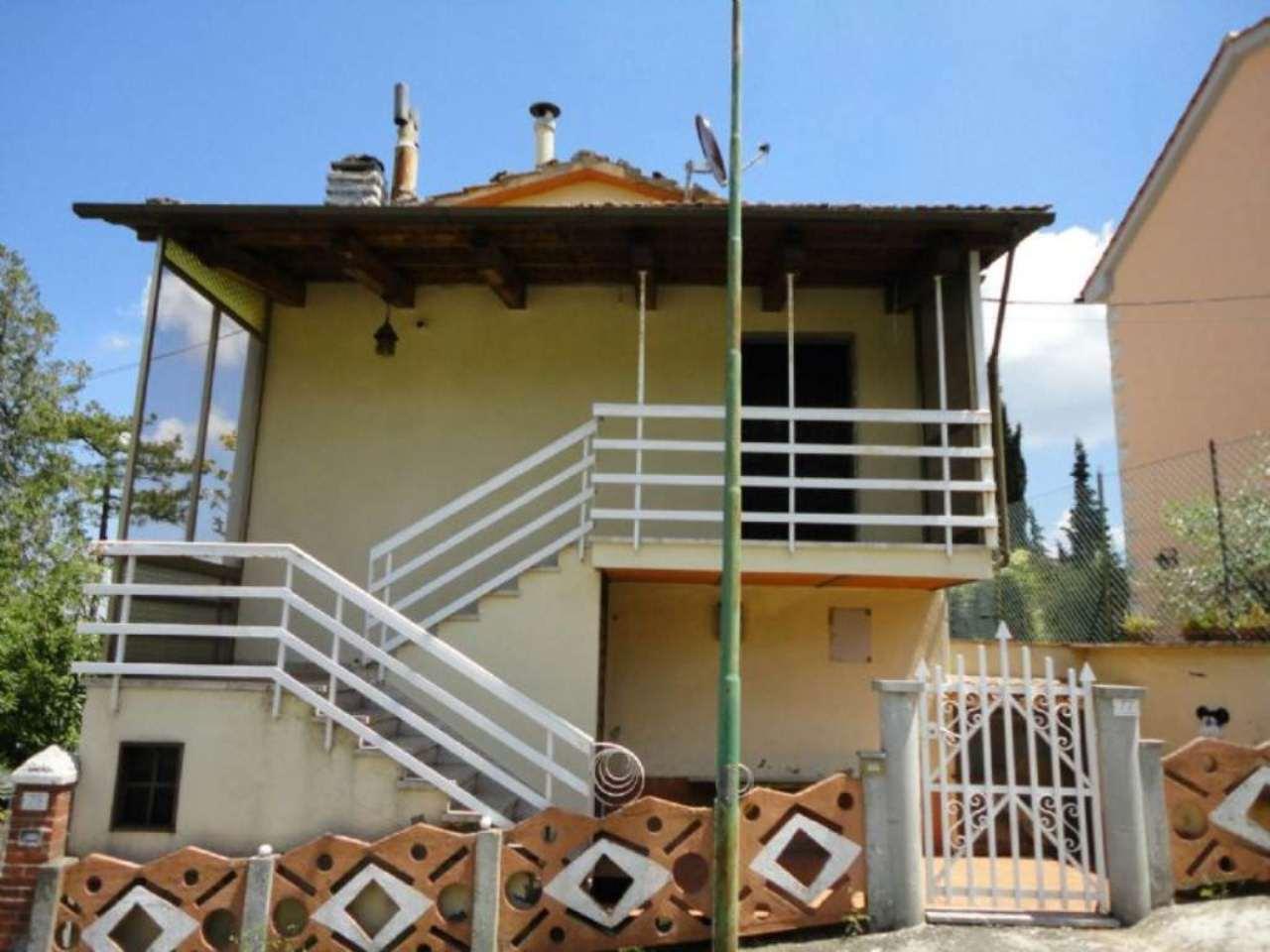 Soluzione Indipendente in vendita a Castiglione d'Orcia, 10 locali, prezzo € 260.000   Cambio Casa.it