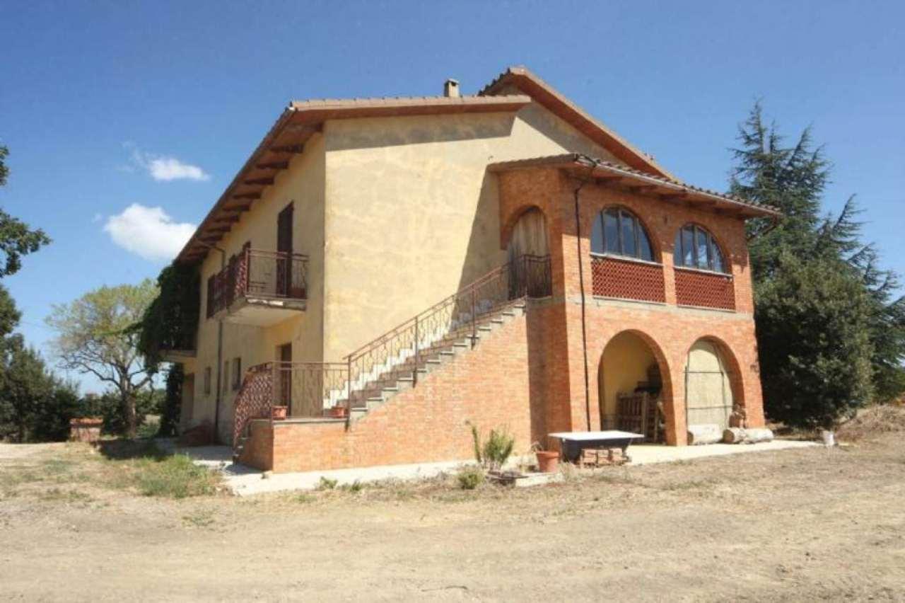 Terreno Agricolo in vendita a Pienza, 10 locali, prezzo € 900.000 | Cambio Casa.it