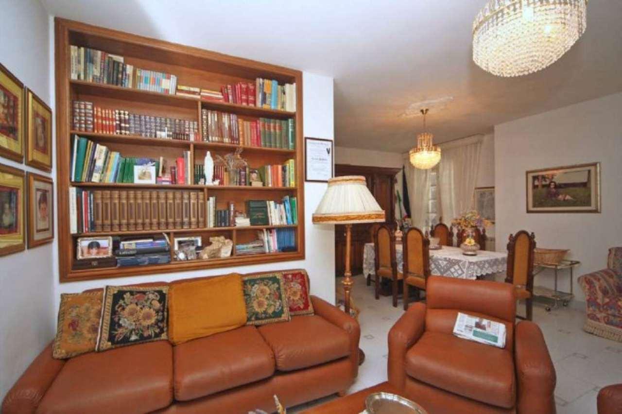 Soluzione Indipendente in vendita a Castiglione d'Orcia, 9 locali, prezzo € 350.000   Cambio Casa.it