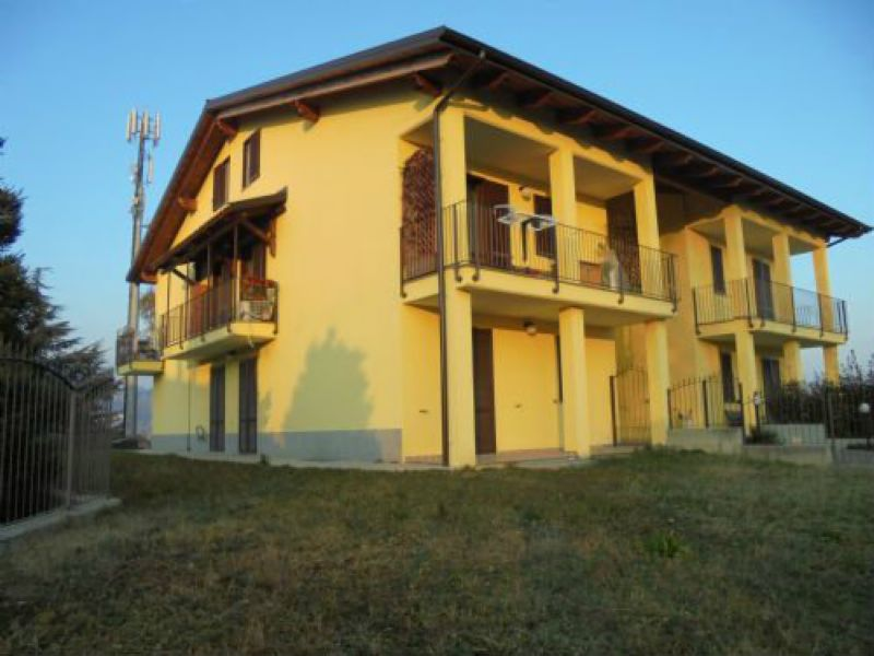 Appartamento in vendita a Cuorgnè, 4 locali, prezzo € 169.000 | Cambio Casa.it