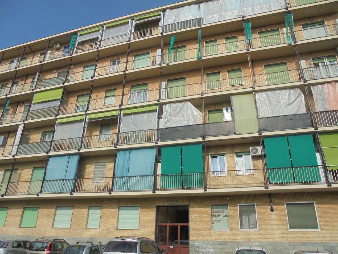 Appartamento in vendita a Nichelino, 2 locali, prezzo € 85.000   CambioCasa.it