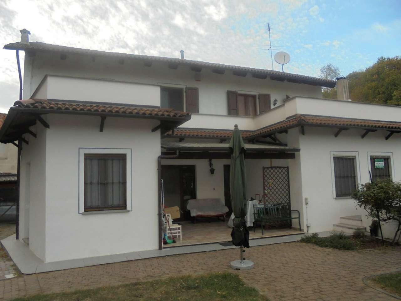 Foto 1 di Casa indipendente via Mazzini, Montalenghe