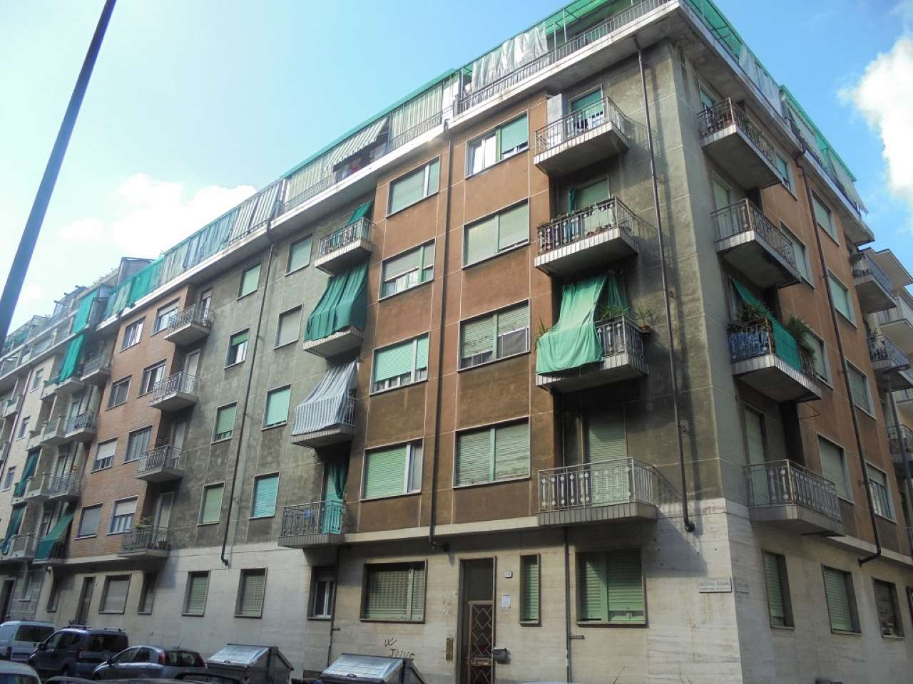 Immagine immobiliare Borgo Vittoria Borgo Vittoria pressi via Breglio quarto piano con ascensore recentemente e ottimamente ristrutturato mq.50 ingresso camera tinello cucinotto e bagno 2 balconi, termovalvole.