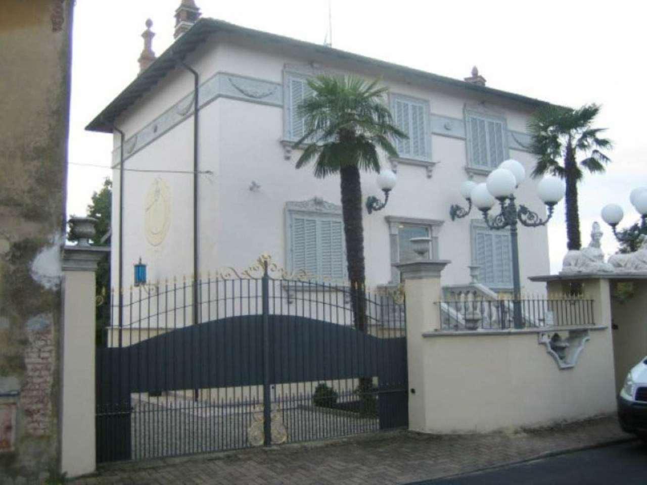 Villa in vendita a Mortara, 7 locali, prezzo € 310.000   CambioCasa.it