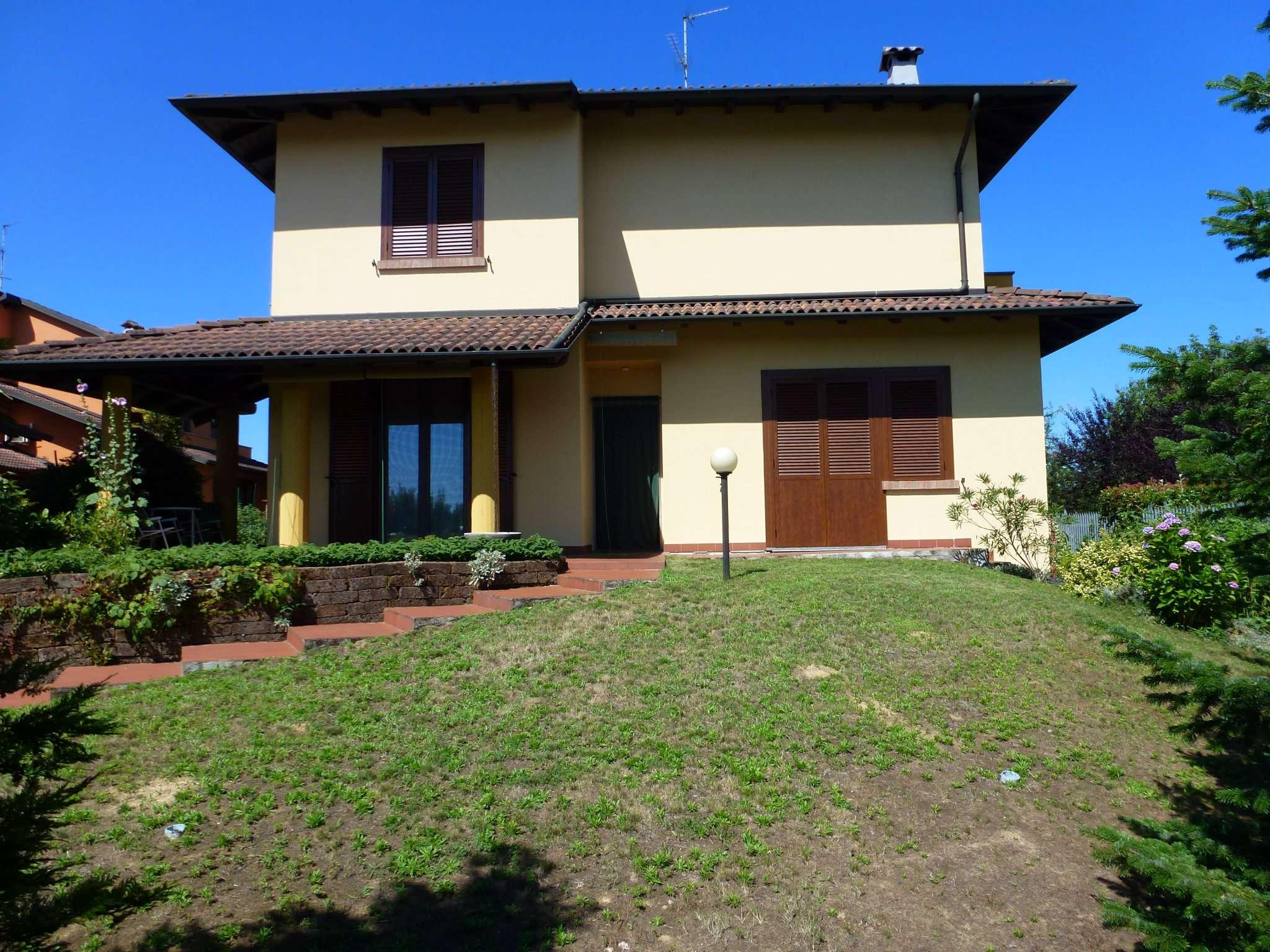Villa in vendita a Cilavegna, 6 locali, prezzo € 210.000 | CambioCasa.it