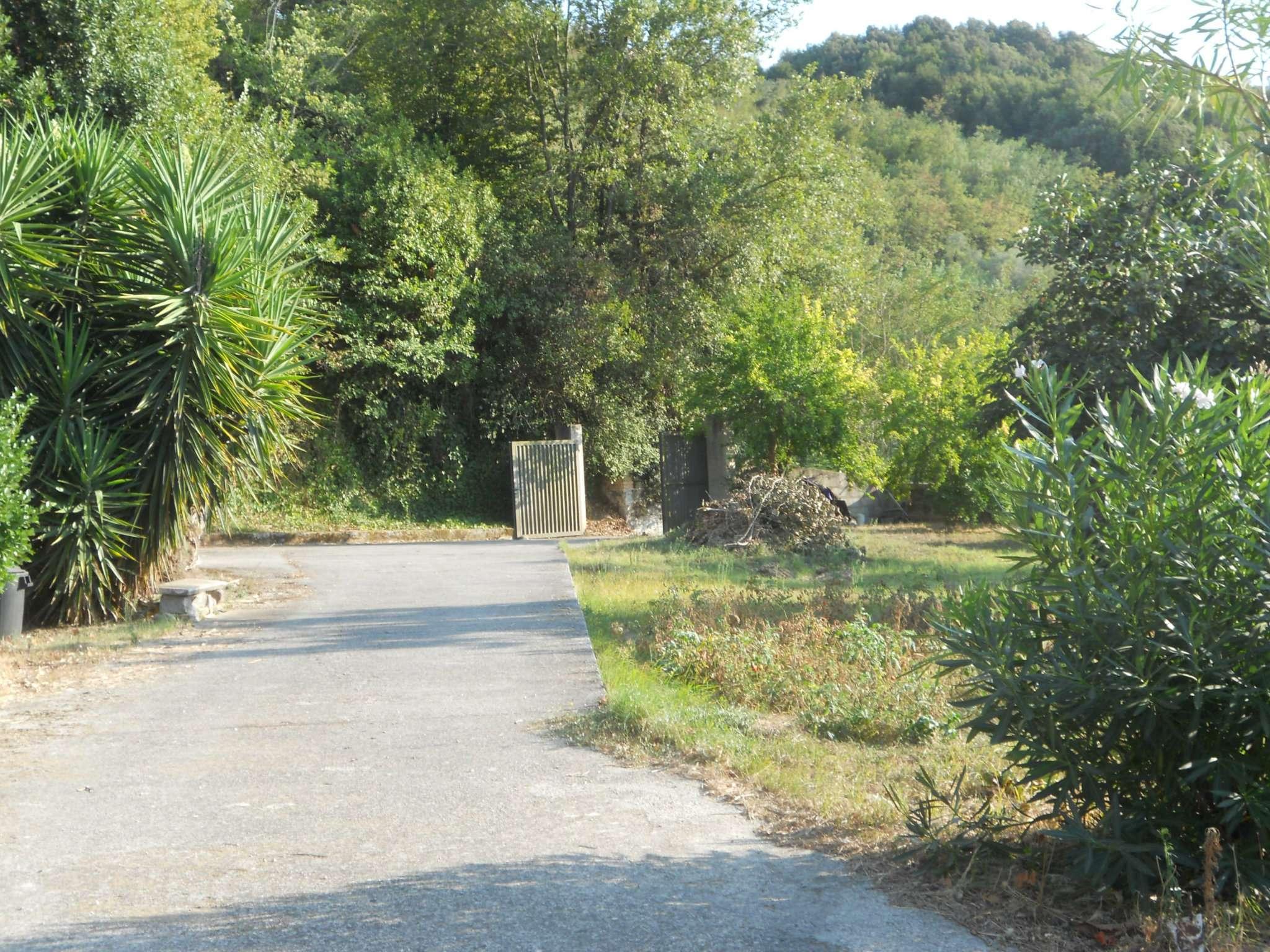 Attico / Mansarda in vendita a Sessa Aurunca, 10 locali, Trattative riservate | CambioCasa.it
