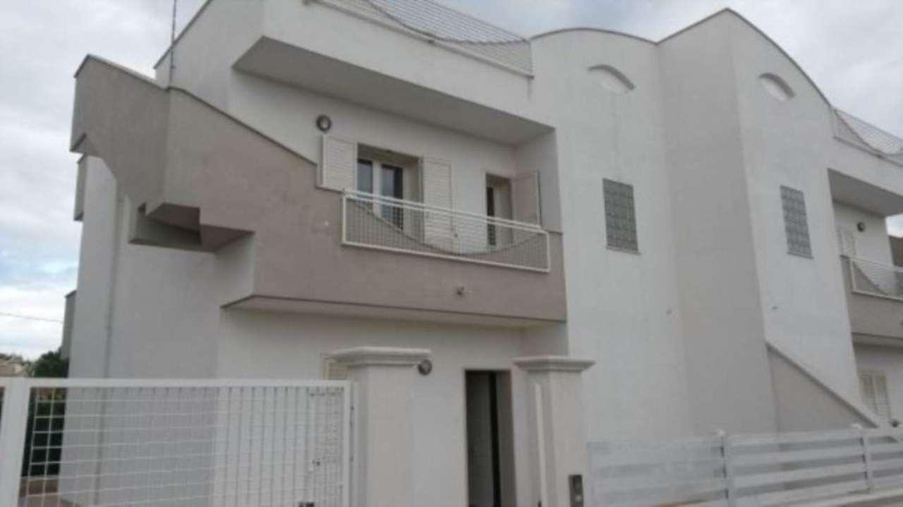 Villa in vendita a Pulsano, 4 locali, prezzo € 139.000 | Cambio Casa.it