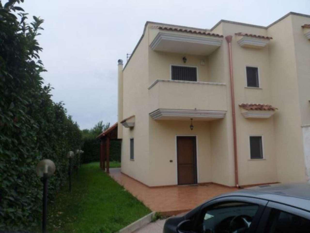 Villa in vendita a Pulsano, 3 locali, prezzo € 175.000 | Cambio Casa.it