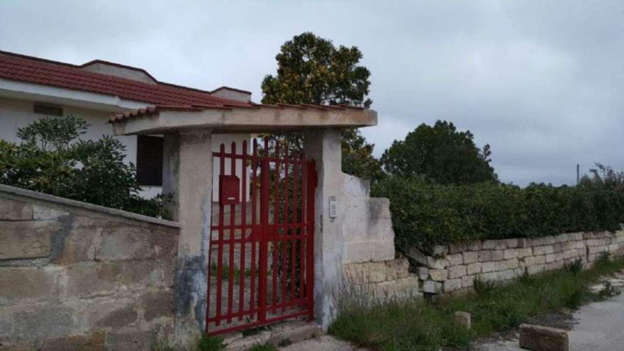 Villa Bifamiliare in vendita a Statte, 9999 locali, prezzo € 130.000 | Cambio Casa.it