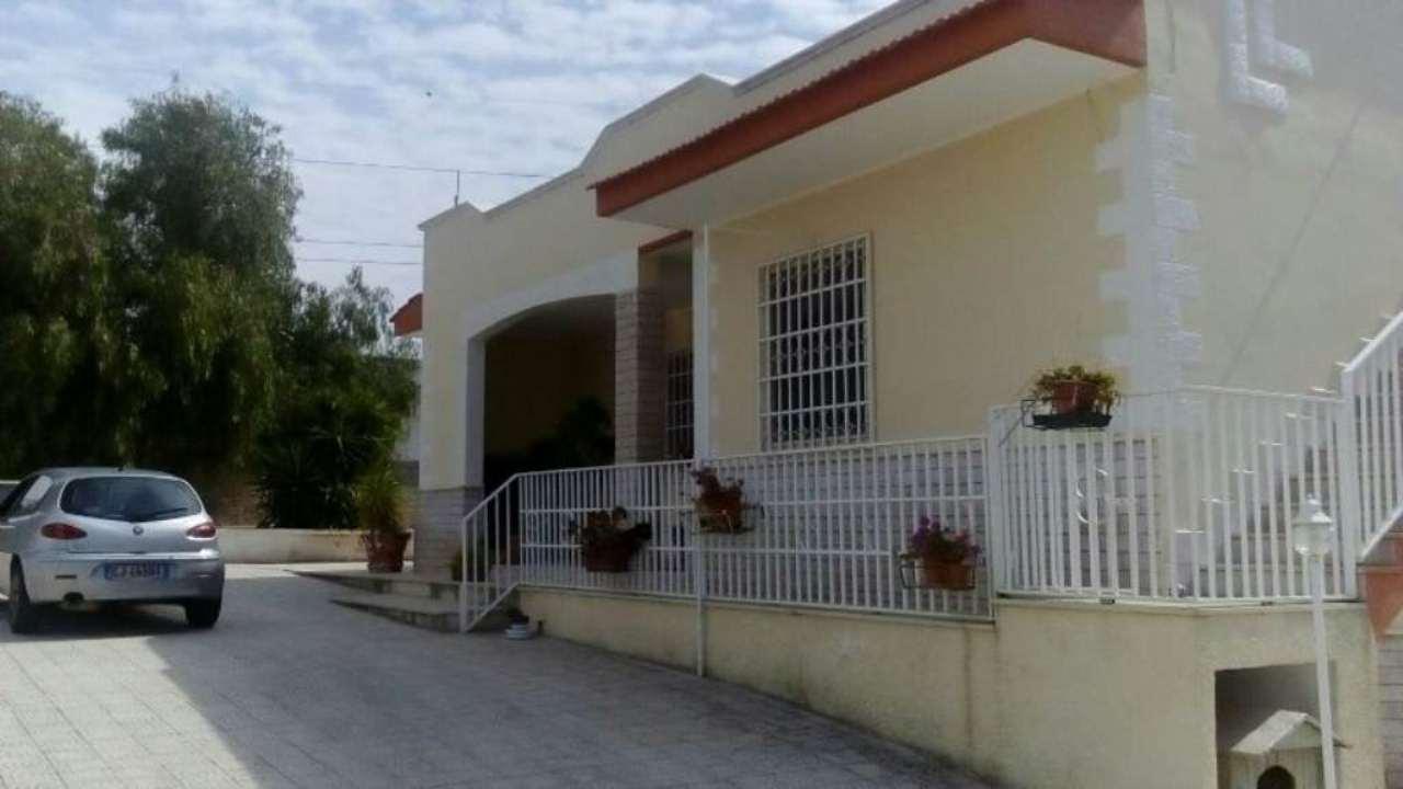 Villa in vendita a Statte, 5 locali, prezzo € 140.000 | Cambio Casa.it