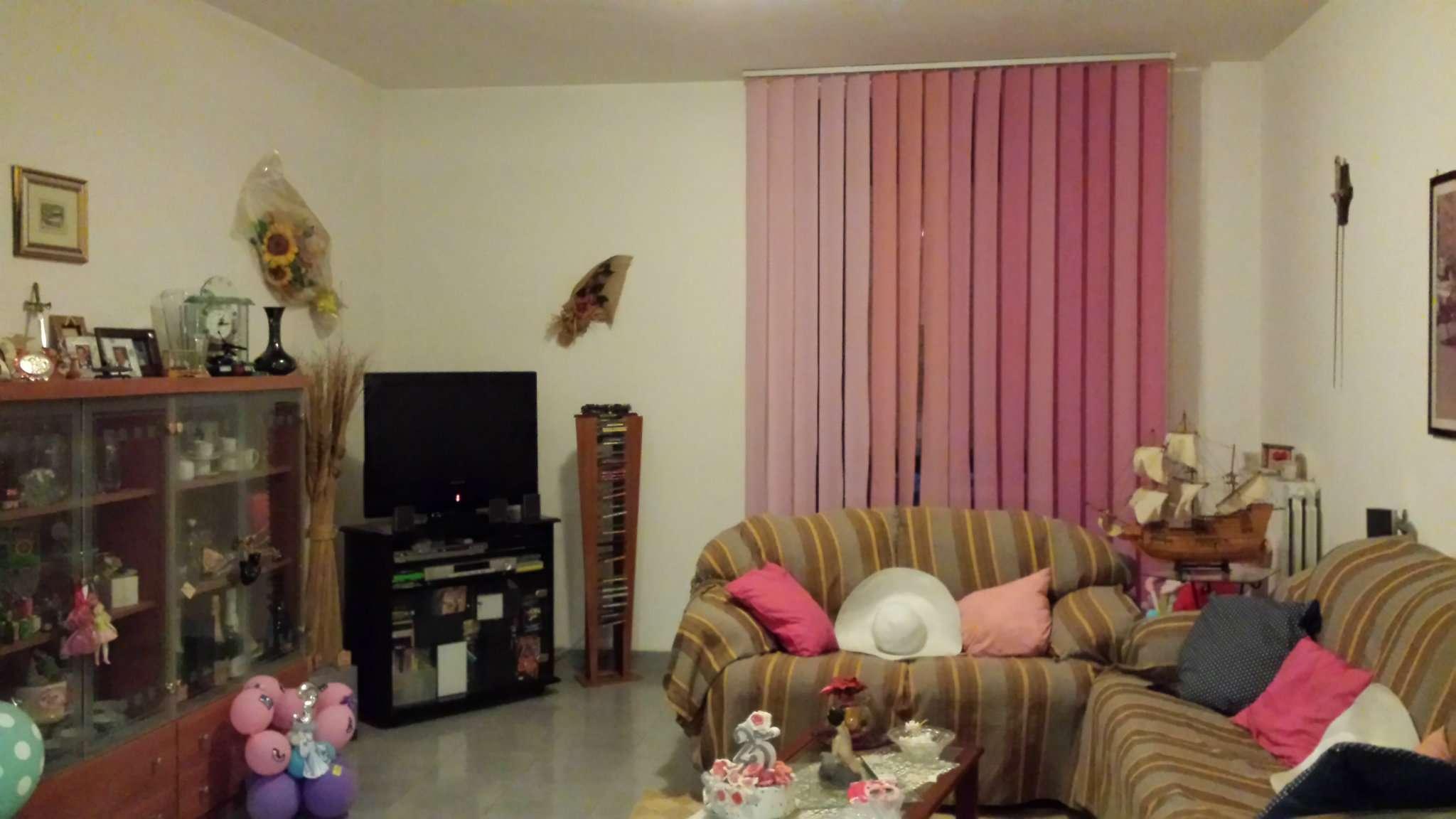 Appartamento in vendita a Taranto, 4 locali, prezzo € 107.000 | Cambio Casa.it