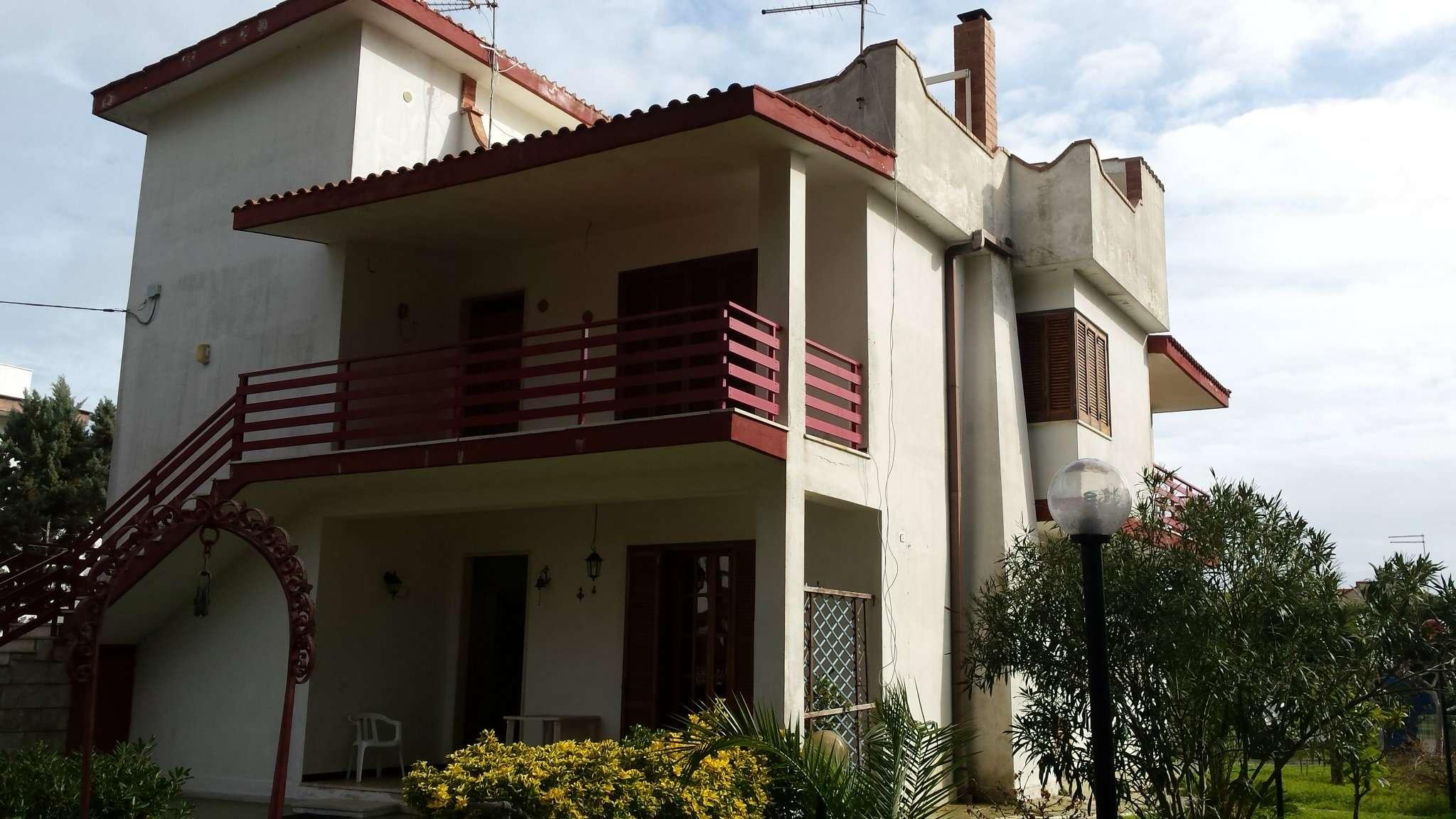 ampia villa a 300 mt dalla litoranea Rif.9563922