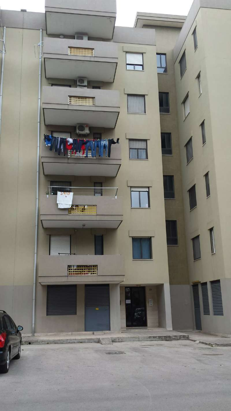 Appartamento in vendita a Taranto, 9999 locali, prezzo € 115.000 | Cambio Casa.it