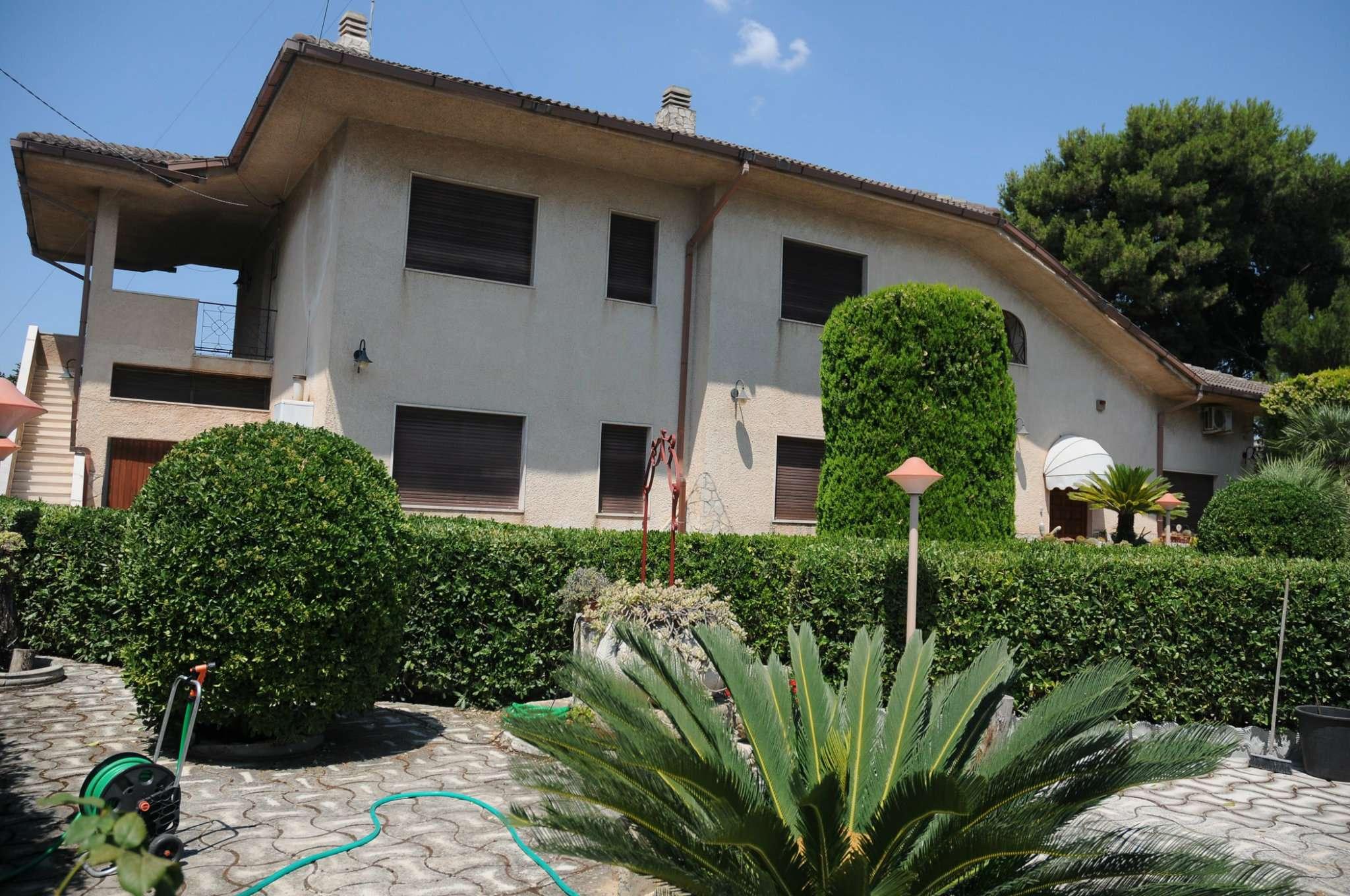 Villa in Vendita a Pulsano