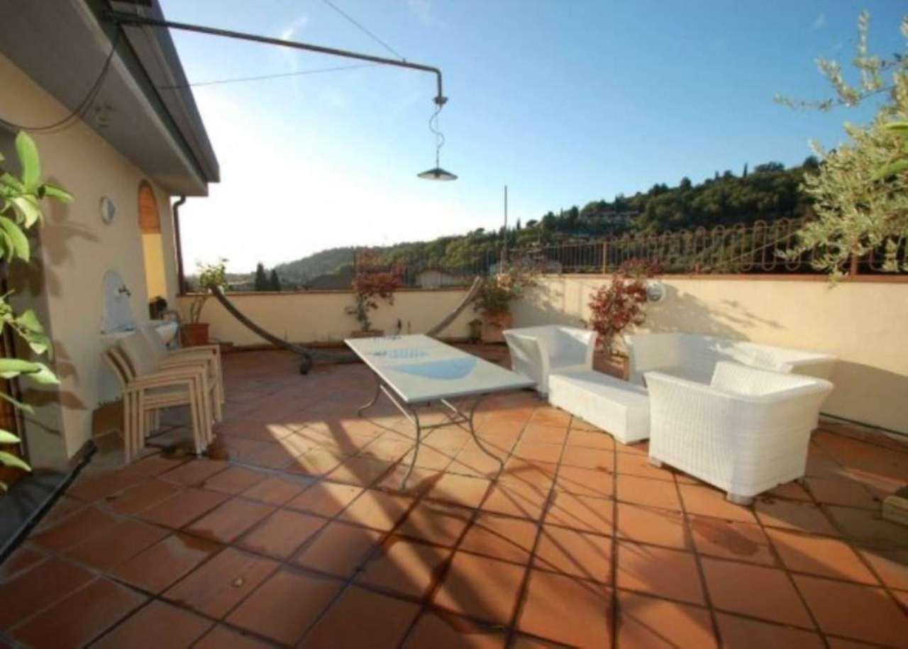 Attico / Mansarda in vendita a Prato, 6 locali, prezzo € 550.000 | Cambio Casa.it