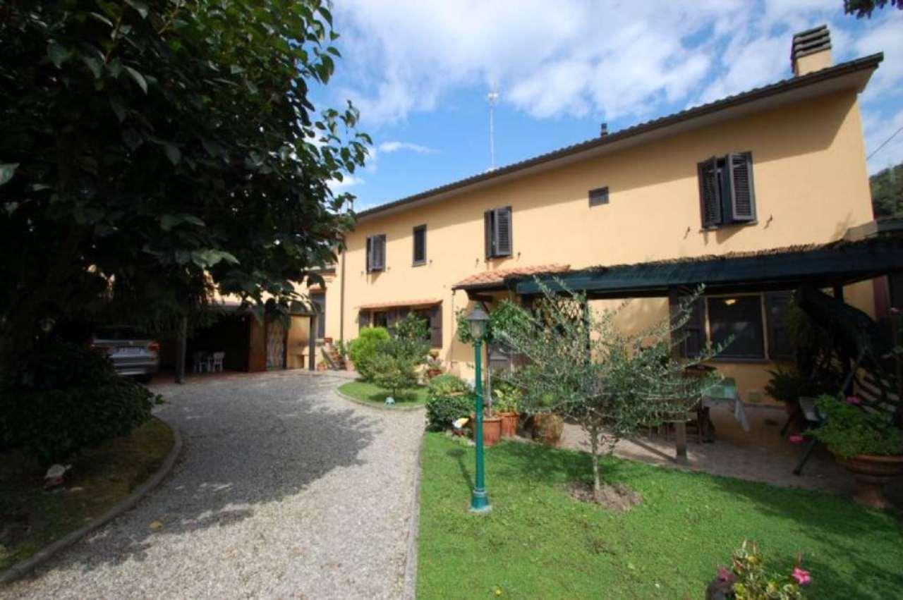 Palazzo / Stabile in vendita a Vaiano, 5 locali, prezzo € 270.000 | Cambio Casa.it