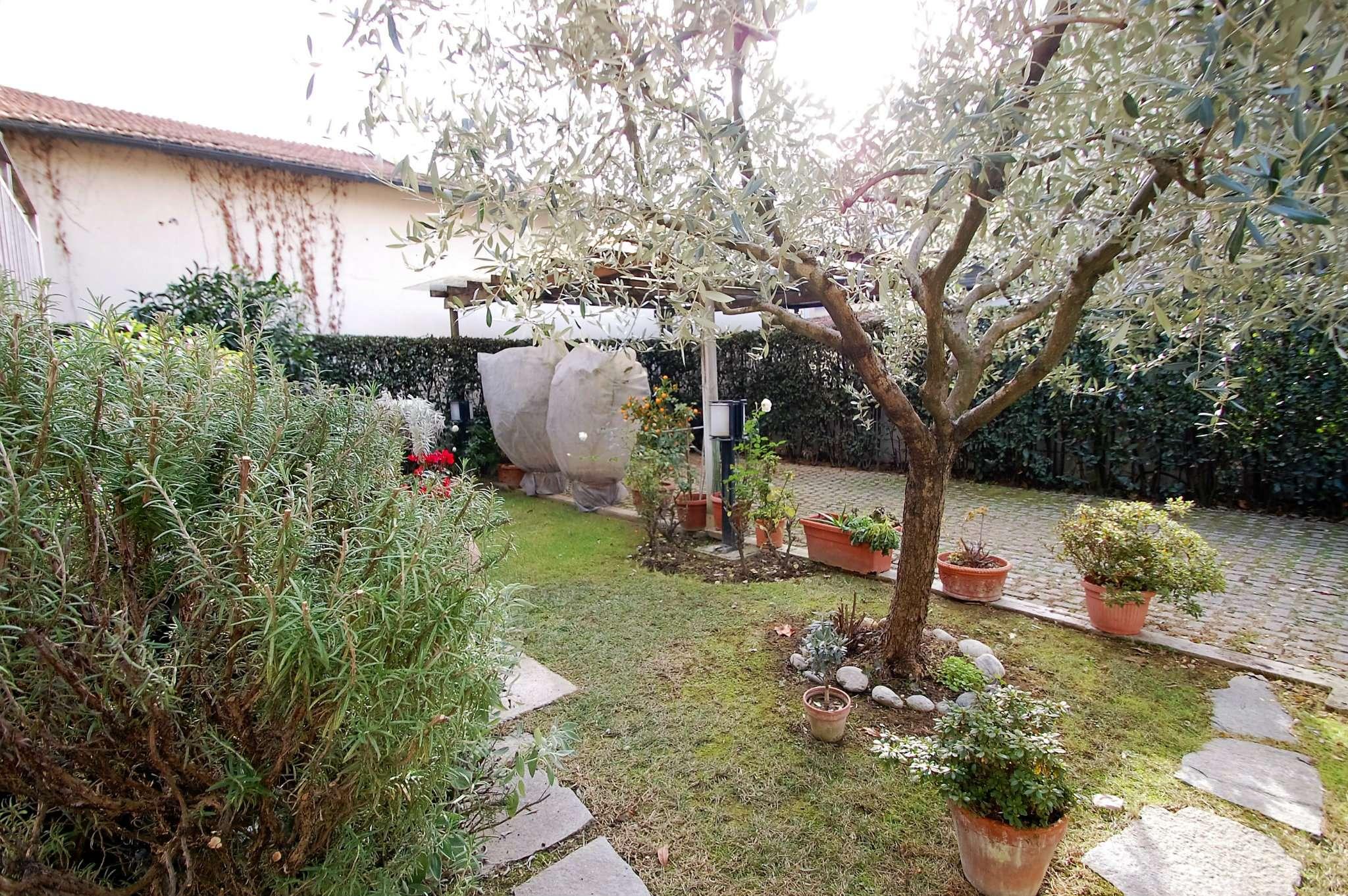 Palazzo / Stabile in vendita a Prato, 5 locali, prezzo € 350.000 | Cambio Casa.it