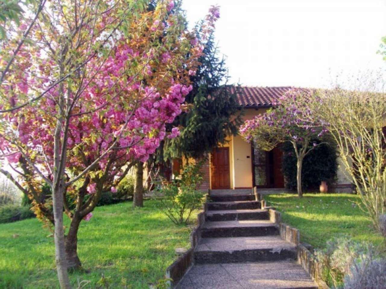 Villa in vendita a Giussago, 6 locali, prezzo € 380.000 | Cambio Casa.it