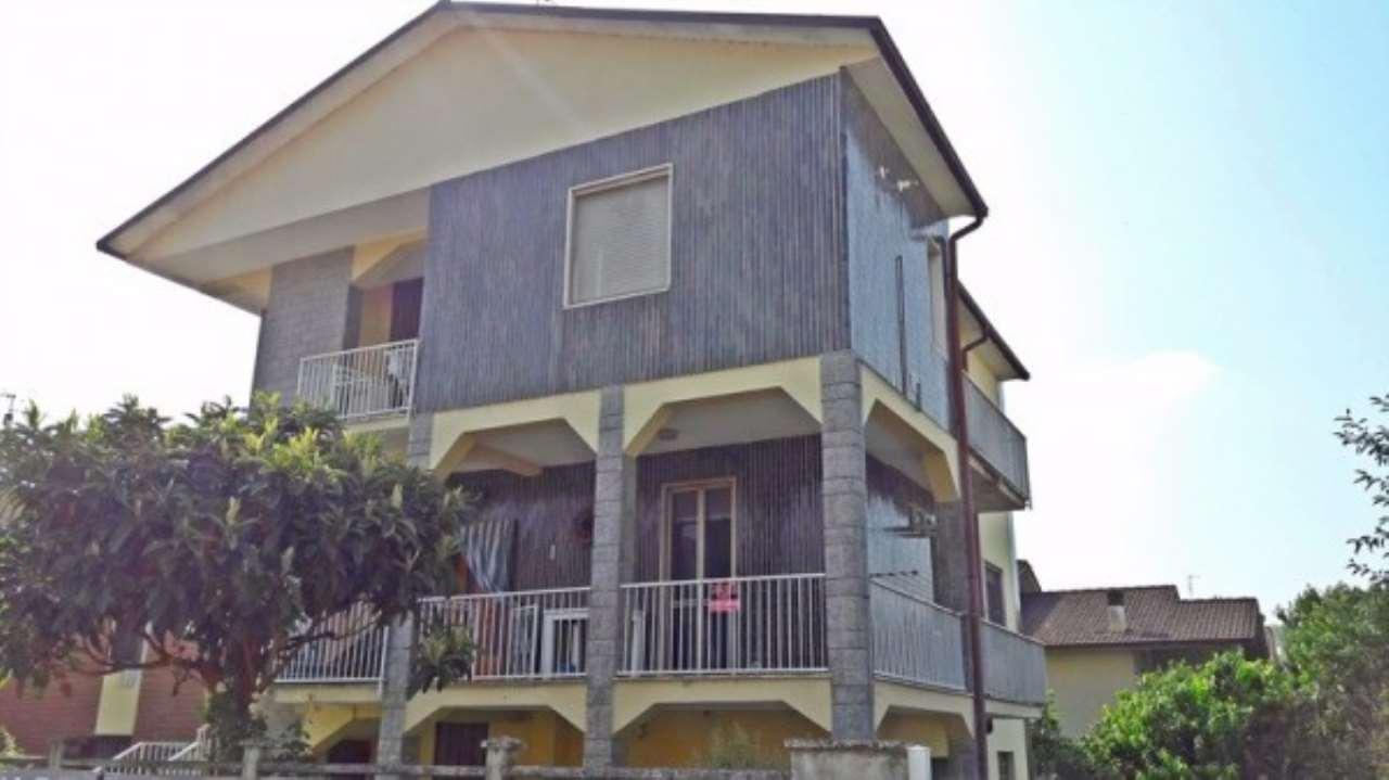 Appartamento in vendita a Zeccone, 4 locali, prezzo € 110.000   Cambio Casa.it