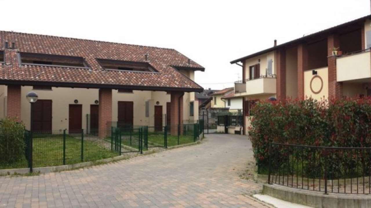 Appartamento in vendita a Certosa di Pavia, 2 locali, prezzo € 102.000   Cambio Casa.it