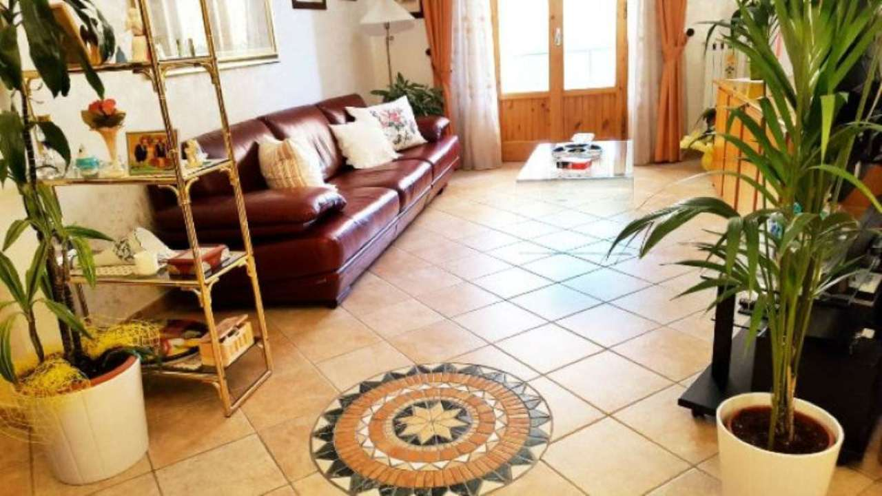 Appartamento in vendita a Calenzano, 5 locali, prezzo € 289.000 | Cambio Casa.it