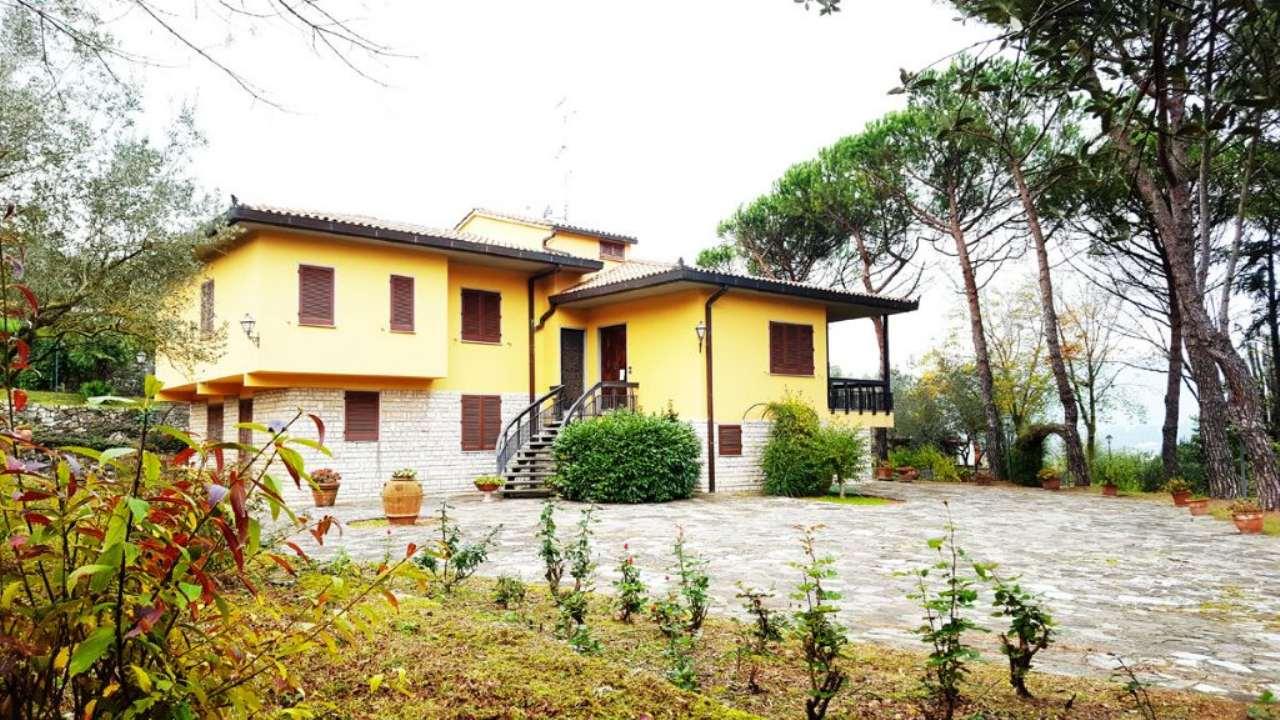 Soluzione Indipendente in vendita a Calenzano, 7 locali, prezzo € 1.100.000 | Cambio Casa.it