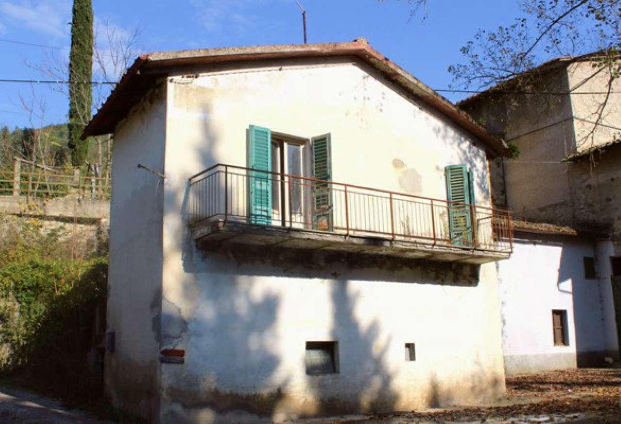 Soluzione Indipendente in vendita a Calenzano, 4 locali, prezzo € 98.000 | Cambio Casa.it
