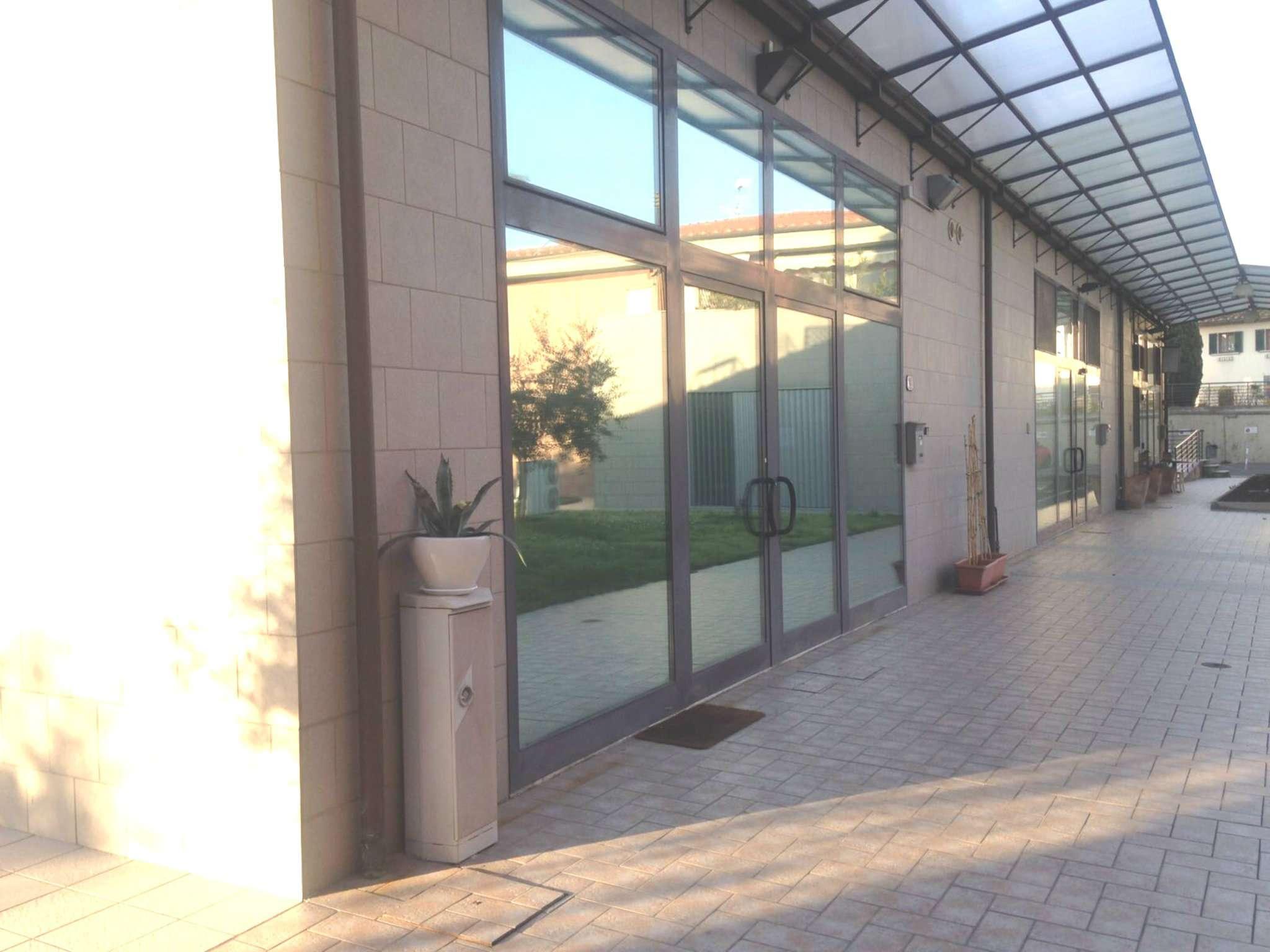 Negozio / Locale in affitto a Calenzano, 1 locali, prezzo € 700 | CambioCasa.it