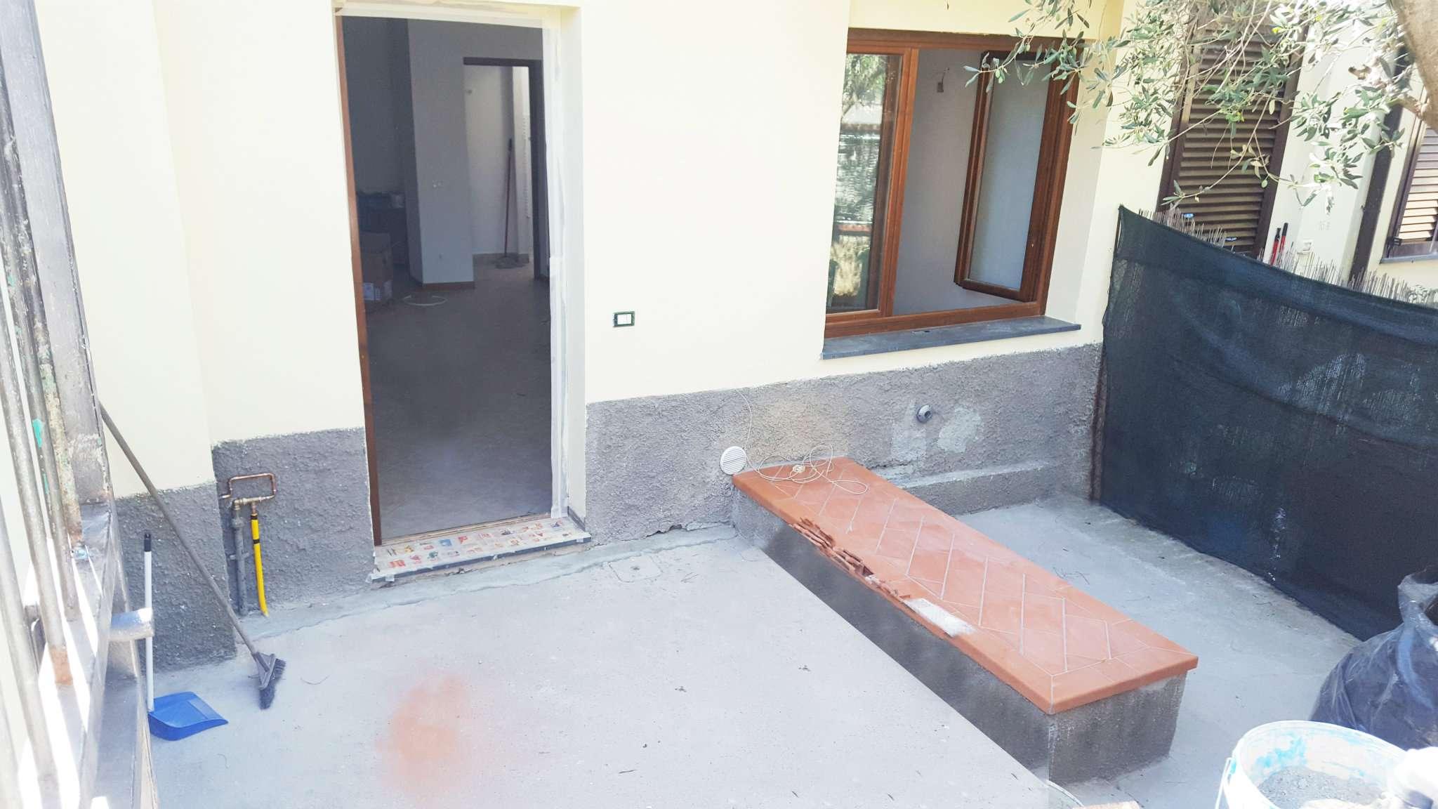 Palazzo / Stabile in affitto a Calenzano, 2 locali, prezzo € 690 | CambioCasa.it