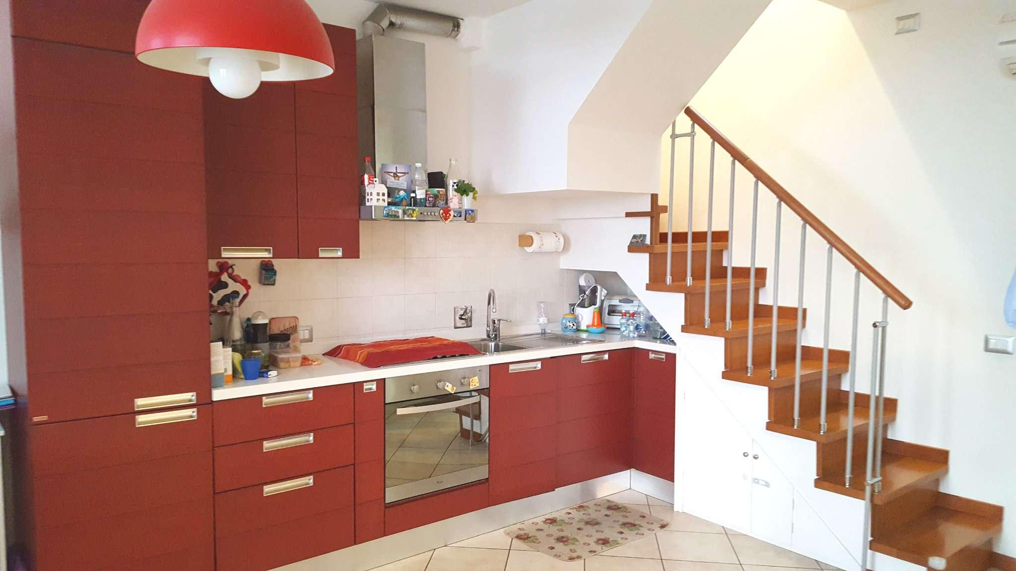 Appartamento in vendita a Calenzano, 3 locali, prezzo € 190.000 | CambioCasa.it