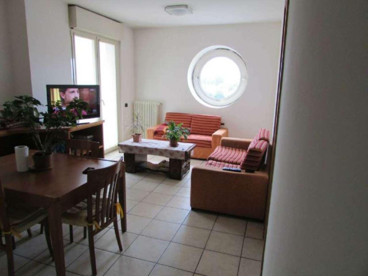 Appartamento in vendita a Cantù, 3 locali, prezzo € 175.000 | Cambiocasa.it