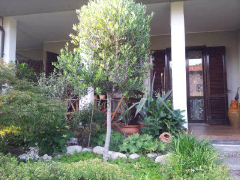 Appartamento in vendita a Cantù, 4 locali, prezzo € 199.000 | Cambiocasa.it