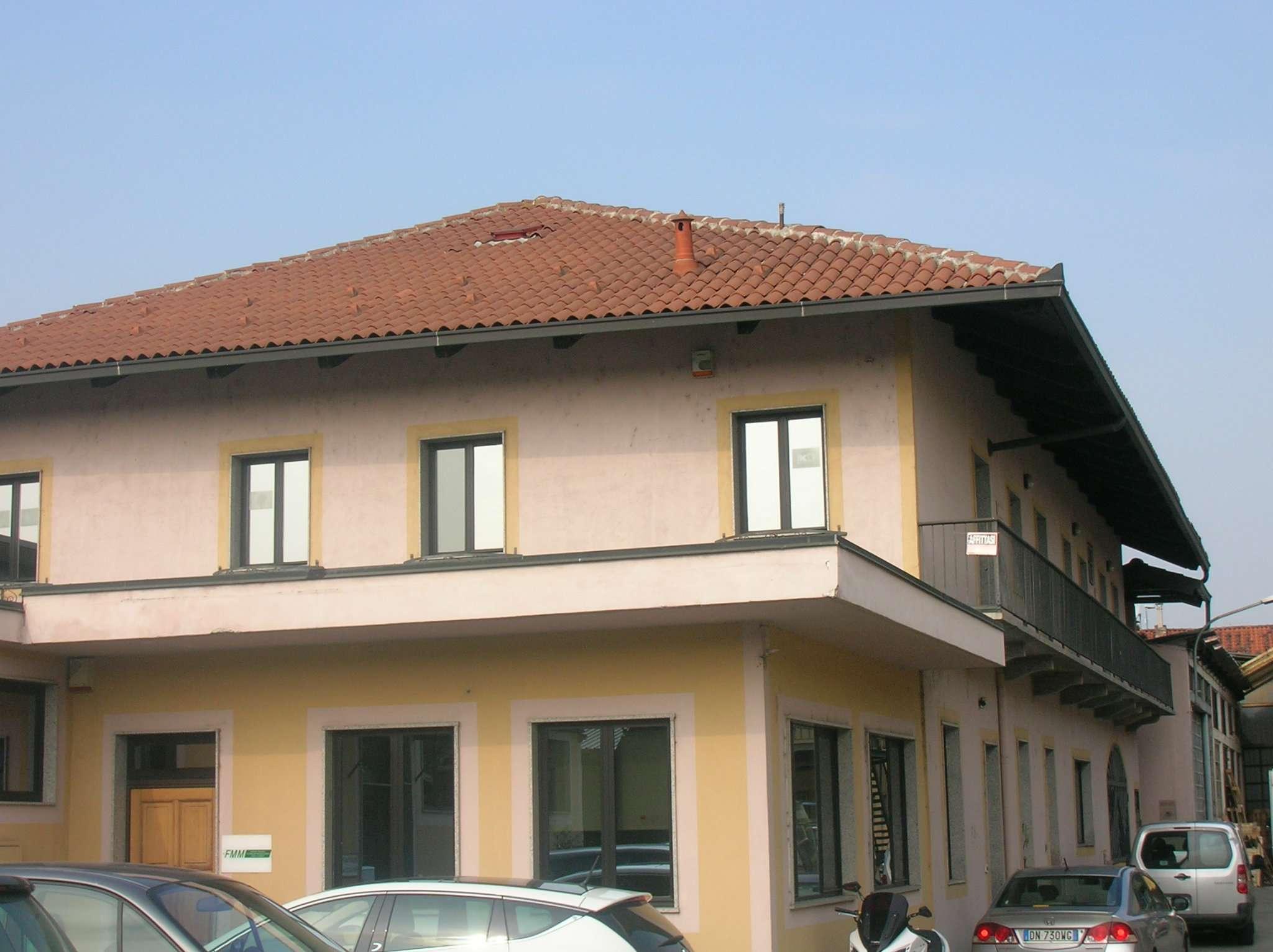 Capannone in affitto a Torino, 5 locali, zona Zona: 13 . Borgo Vittoria, Madonna di Campagna, Barriera di Lanzo, prezzo € 1.500 | CambioCasa.it