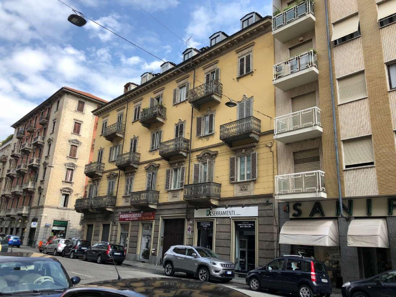 Foto 1 di Mansarda via duchessa jolanda 12, Torino (zona Cit Turin, San Donato, Campidoglio)