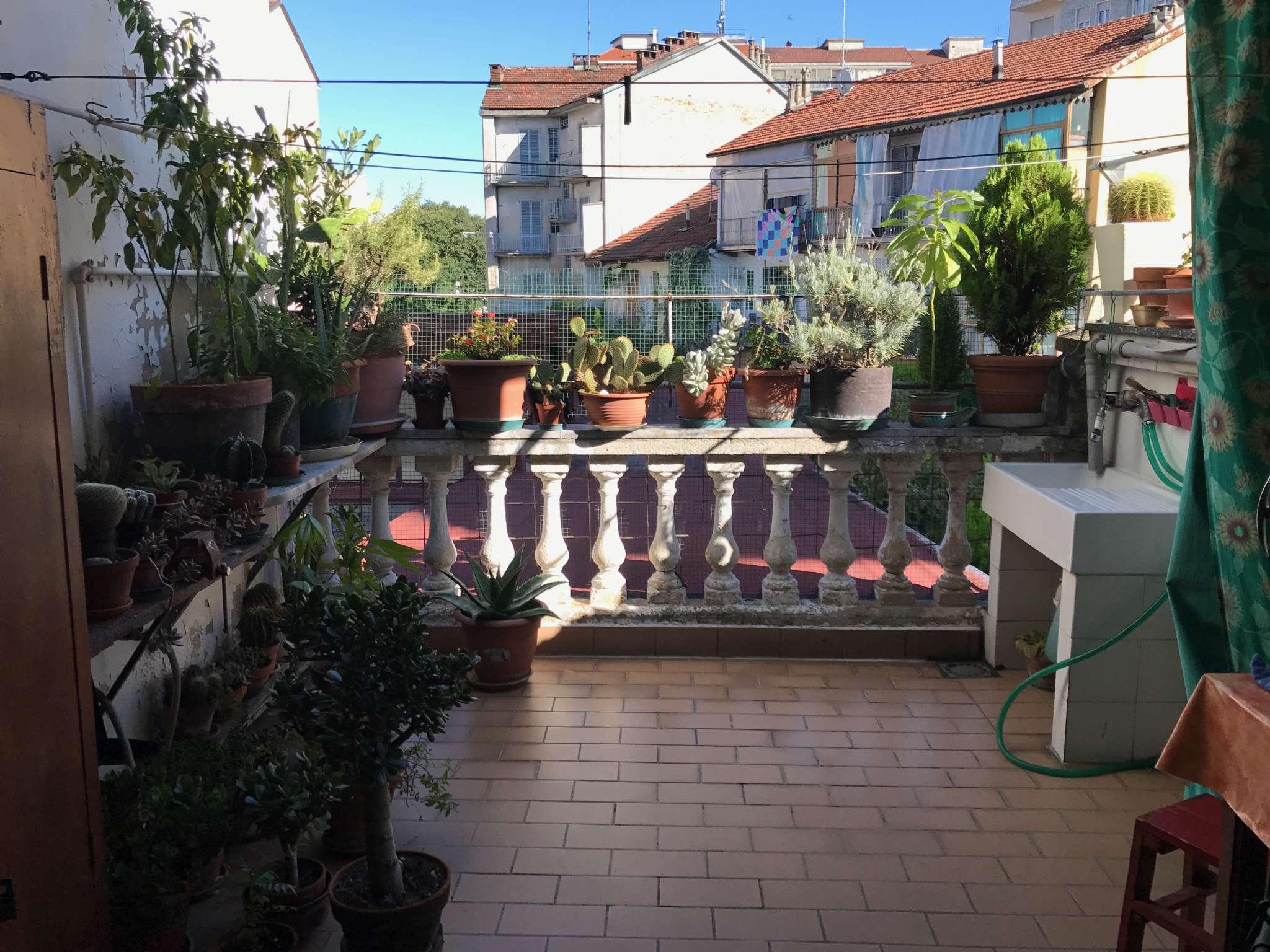 Ampio con terrazzo Torino