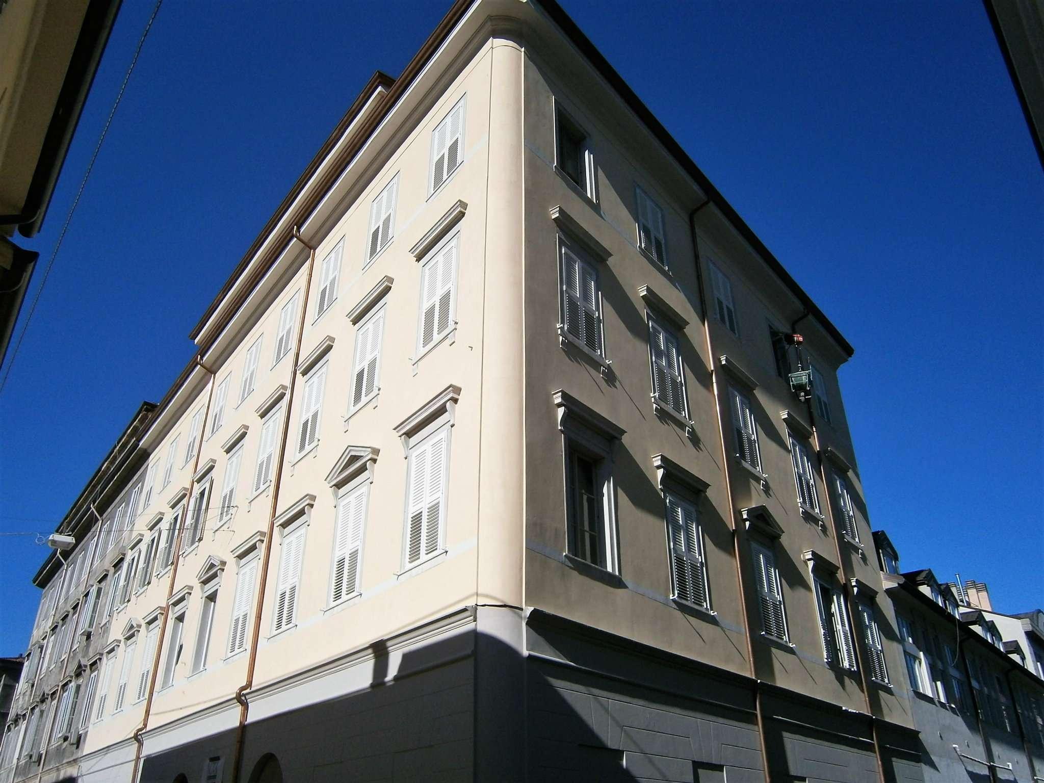 Appartamento in vendita a Trieste, 6 locali, prezzo € 370.000 | Cambio Casa.it