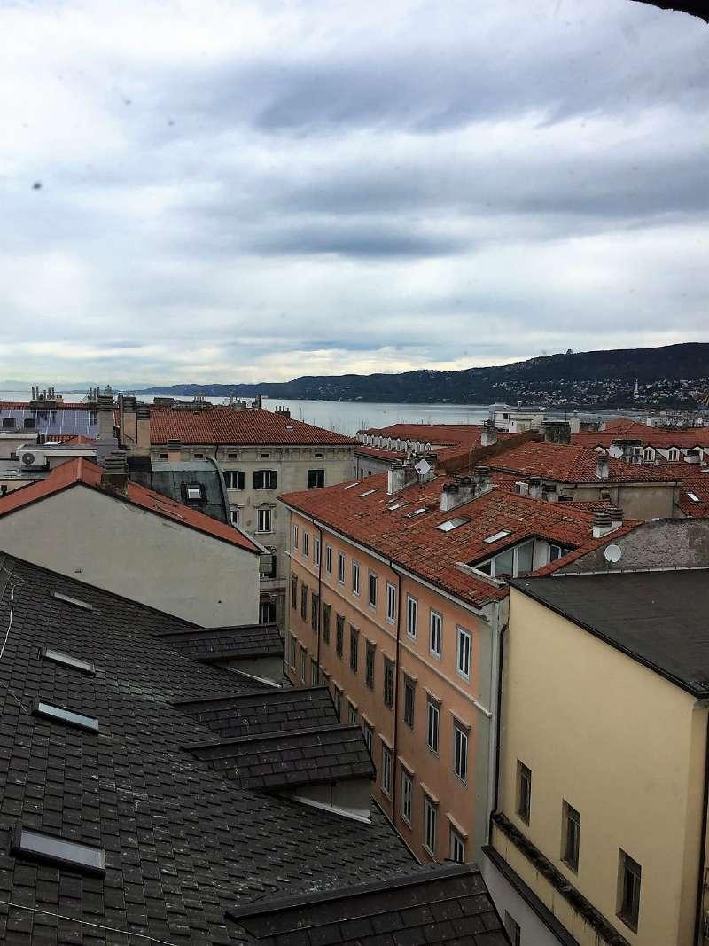 Attico / Mansarda in vendita a Trieste, 5 locali, prezzo € 480.000   CambioCasa.it